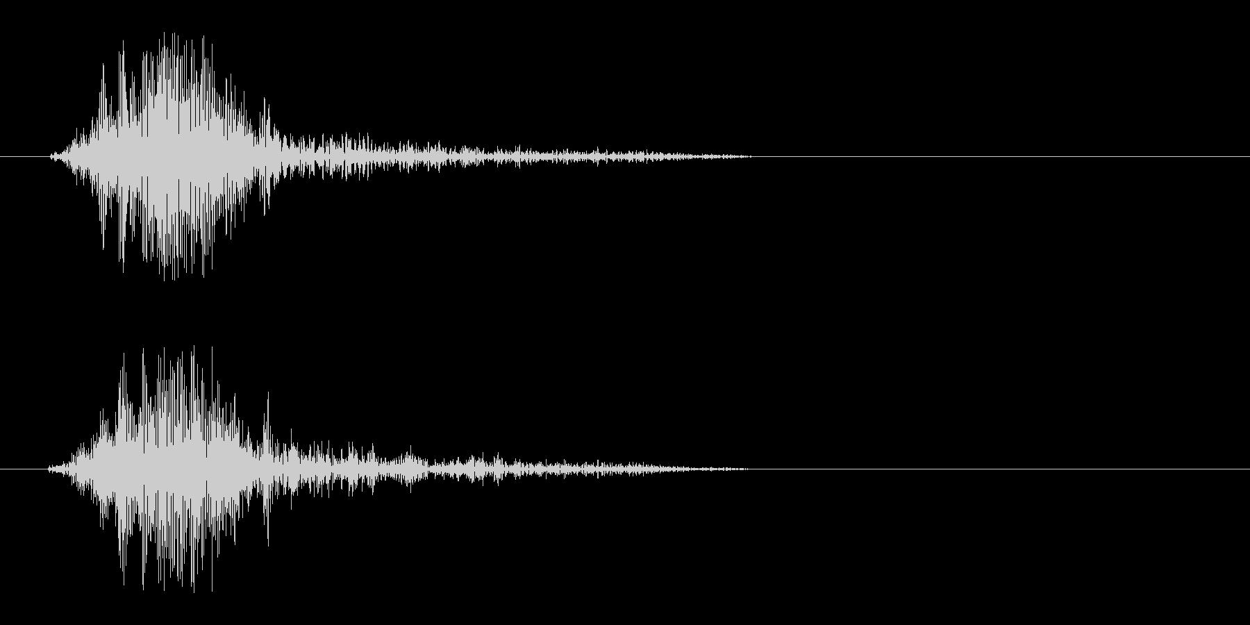 スパッ、っと風を切るような効果音の未再生の波形