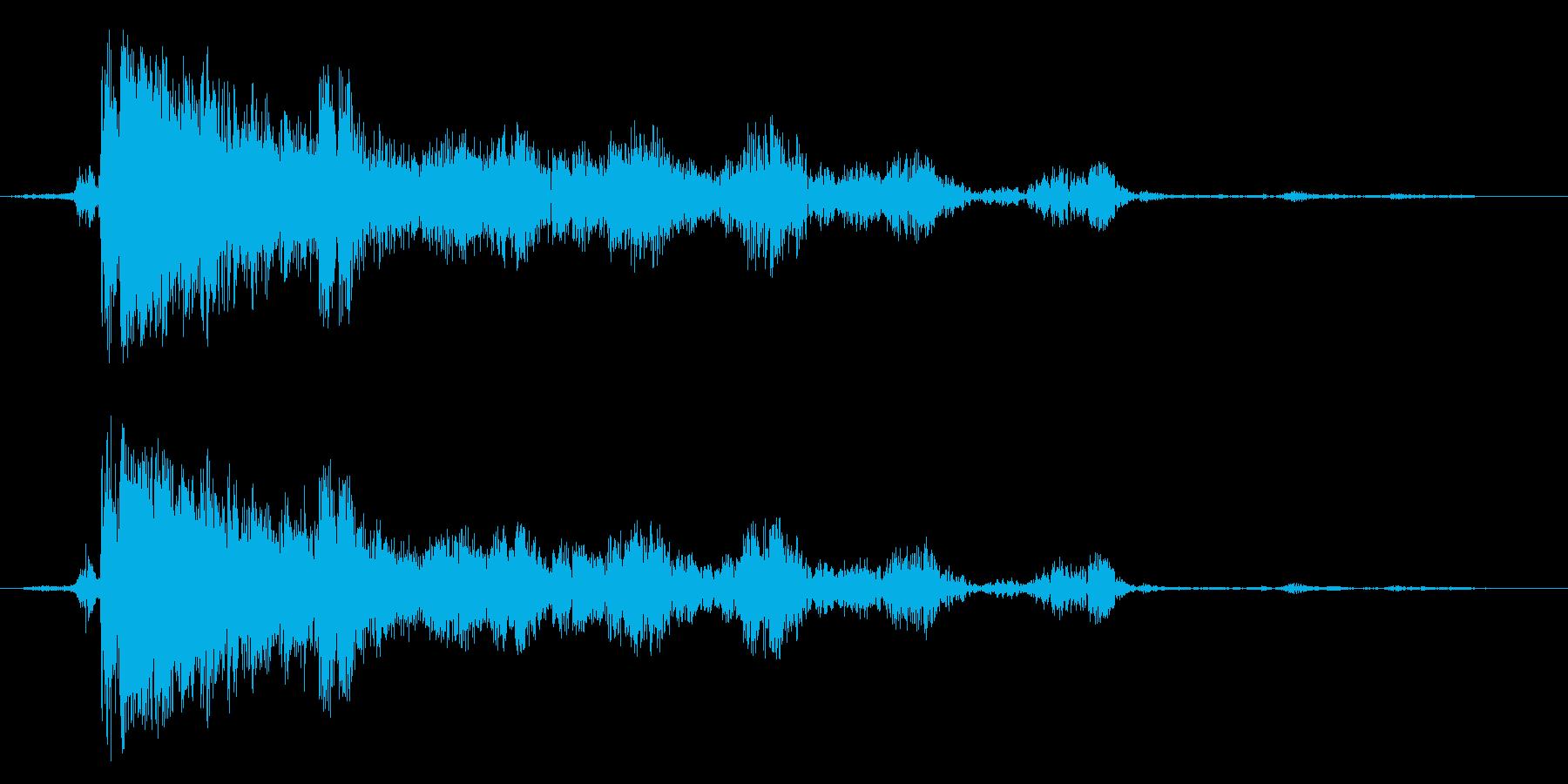 落雷 雷が落ちる音の再生済みの波形