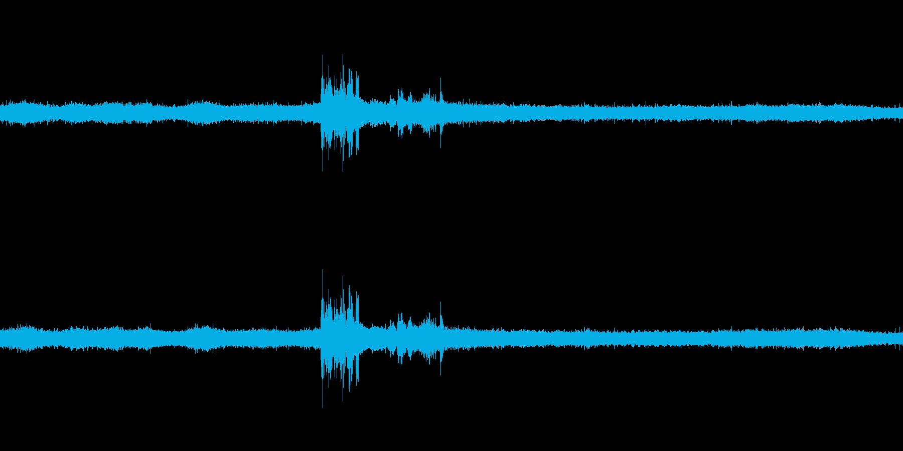 【生音】夏の日の雷雨 - 04 雨の降…の再生済みの波形