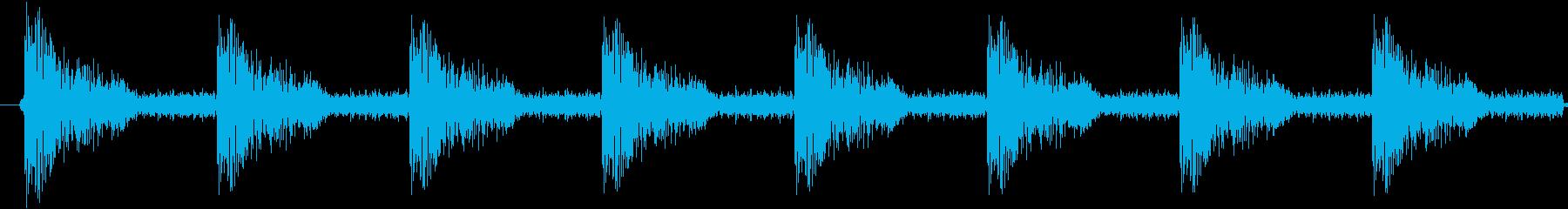 ダンスミュージック向けスネアドラム8発の再生済みの波形