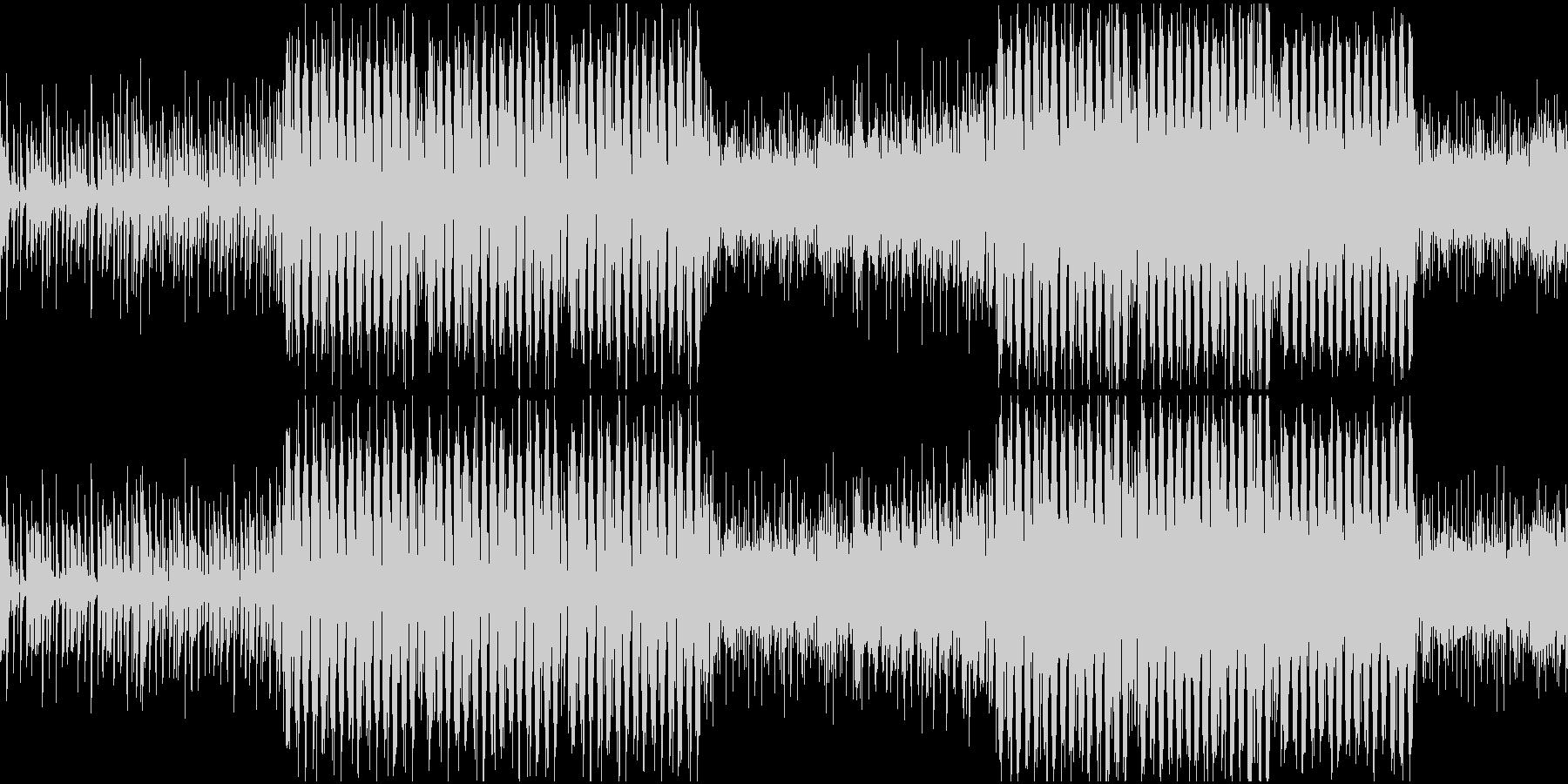 アップビートなピアノと民族音楽のテクノの未再生の波形