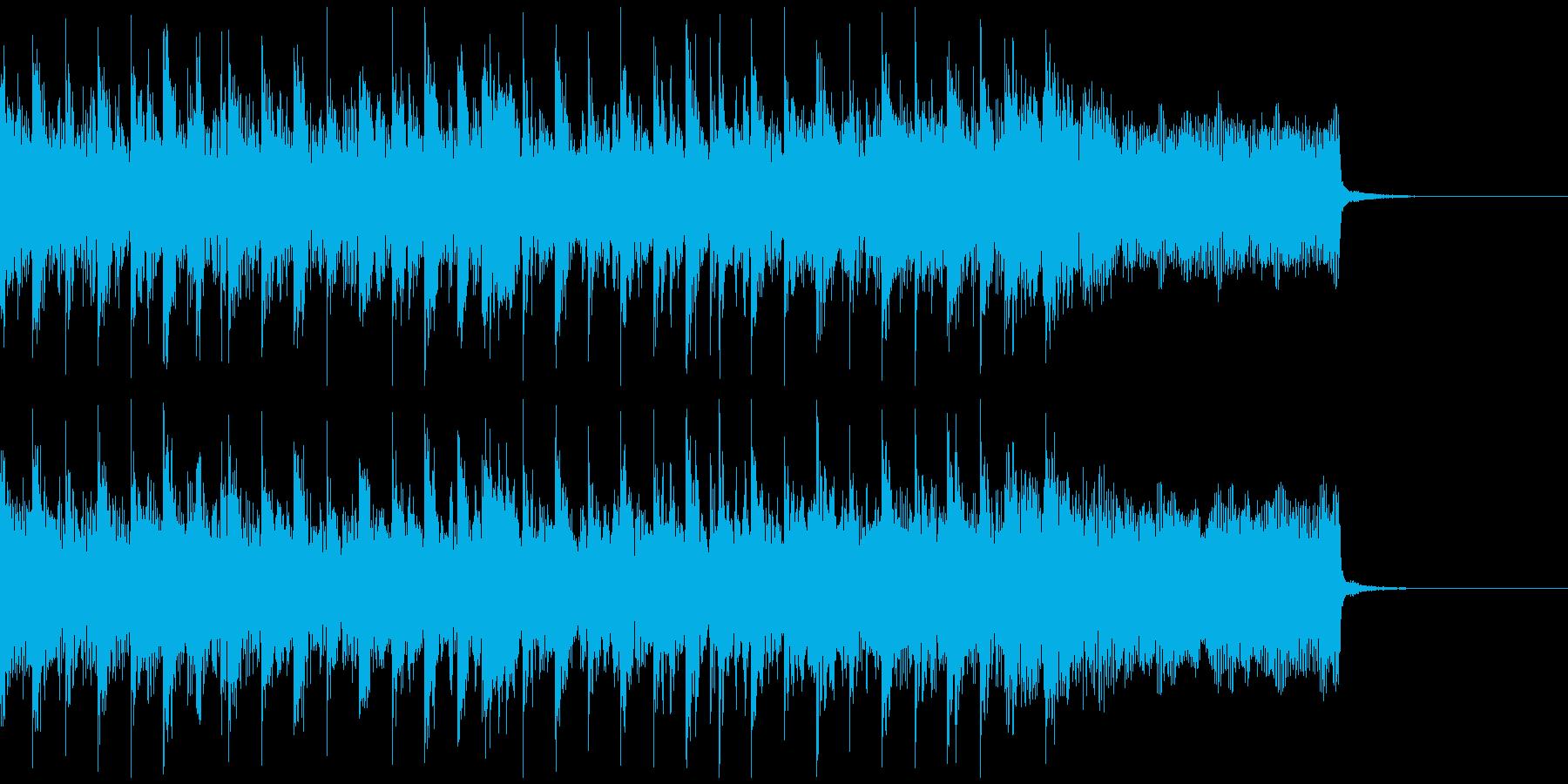 激しいビートのテクノジングルの再生済みの波形