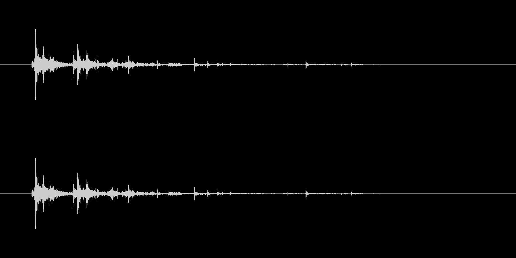 【ペン立て01-5(ひっくり返す)】の未再生の波形