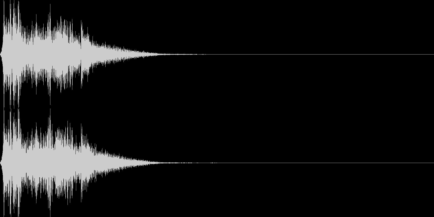 斧やハンマーで一刀両断(重量感あり)の未再生の波形