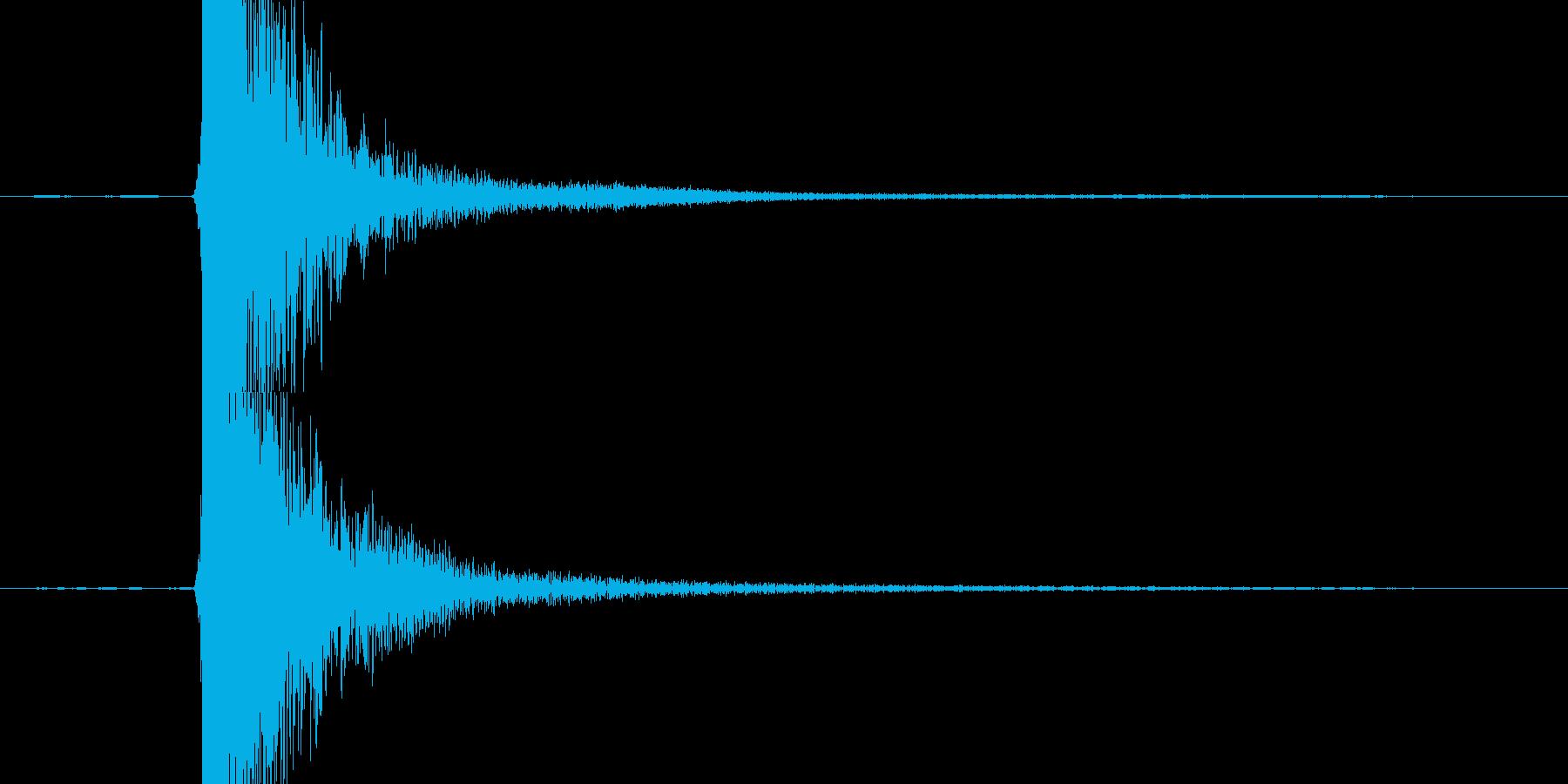 【衝撃音】鉄と鉄がぶつかる音の再生済みの波形