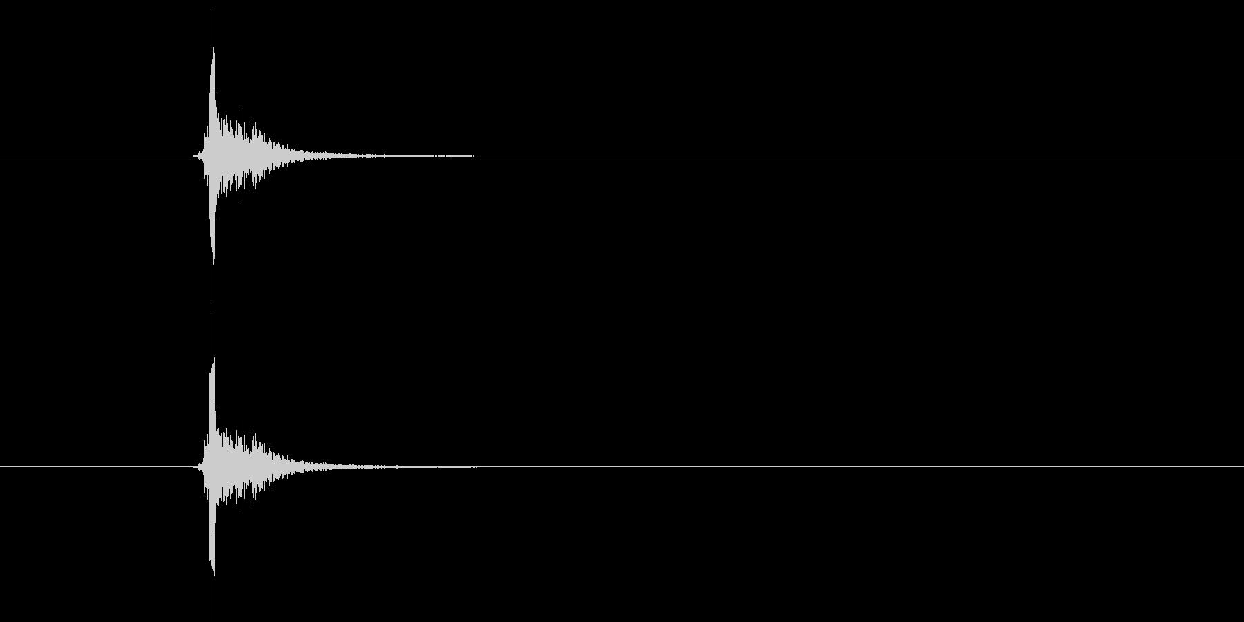 チンッ(開閉する音)の未再生の波形