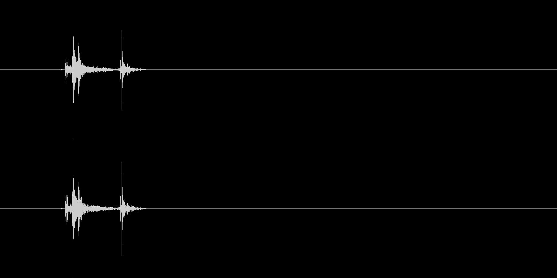 カチッ(スイッチ音)の未再生の波形