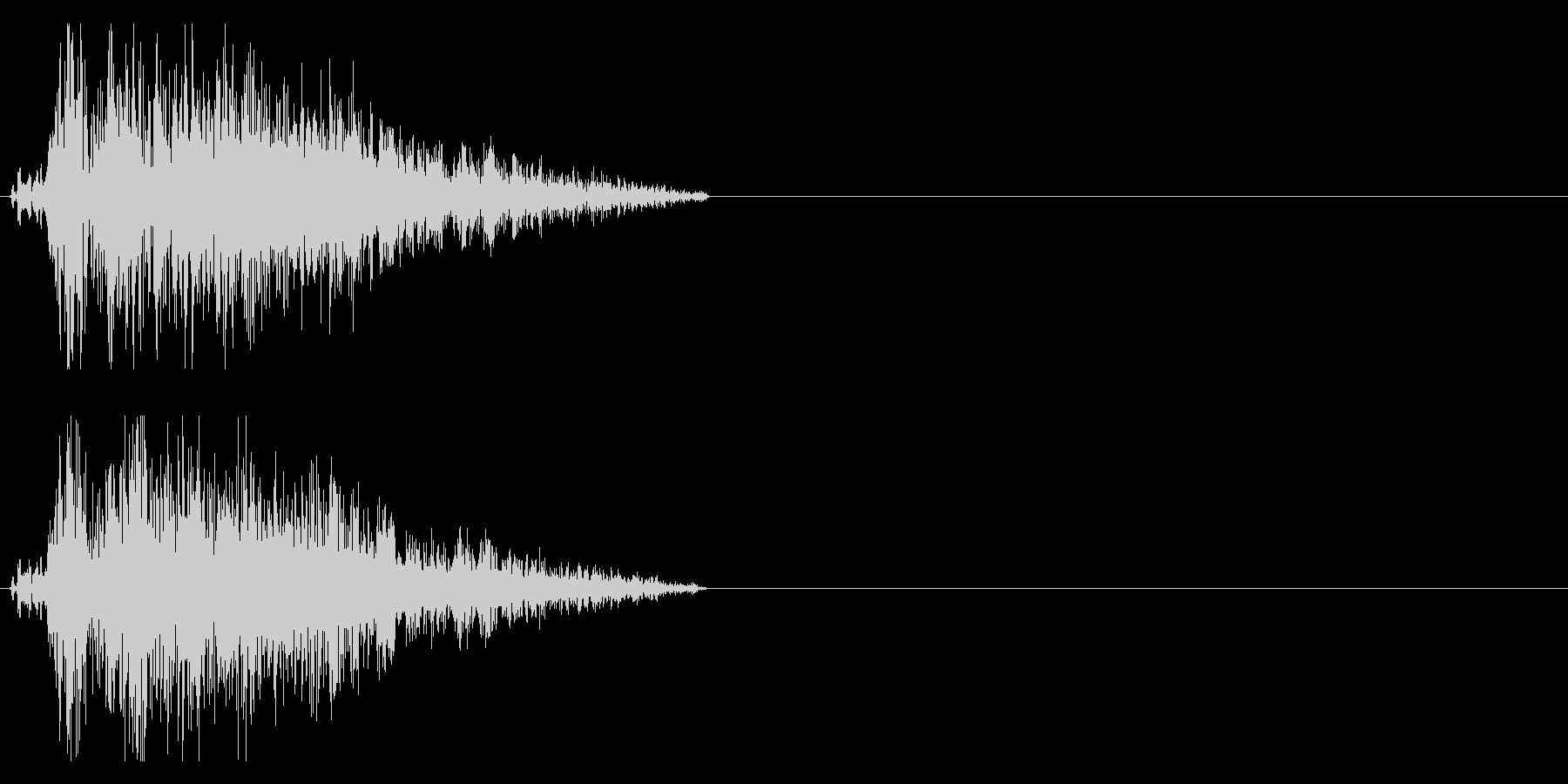 ブシャッ 斬撃音の未再生の波形