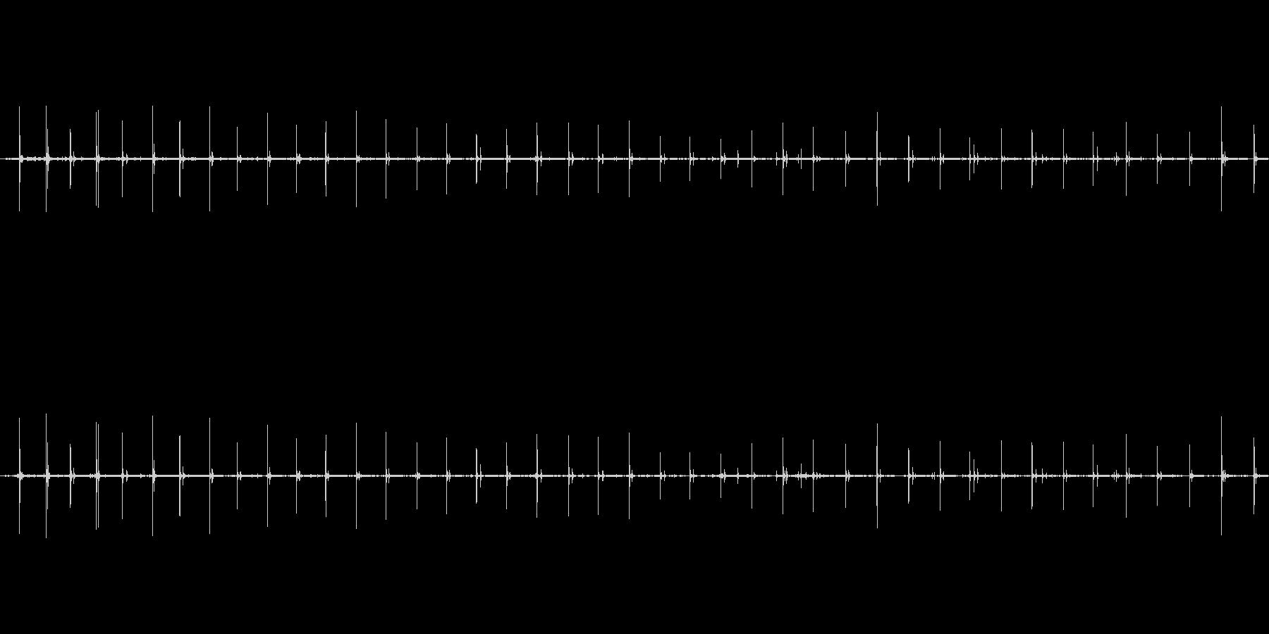 【生音】走る・アスファルト・パンプス …の未再生の波形