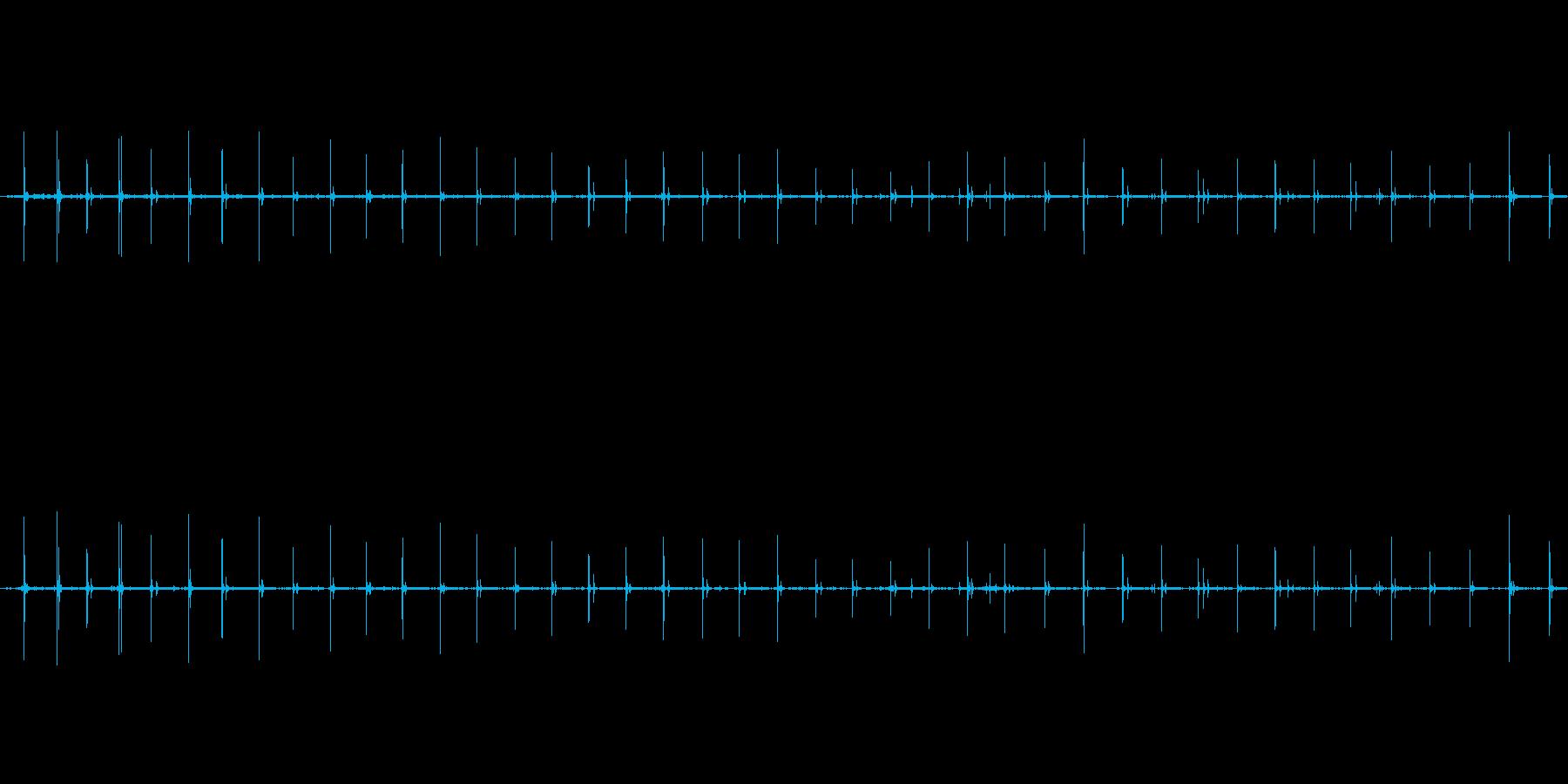 【生音】走る・アスファルト・パンプス …の再生済みの波形
