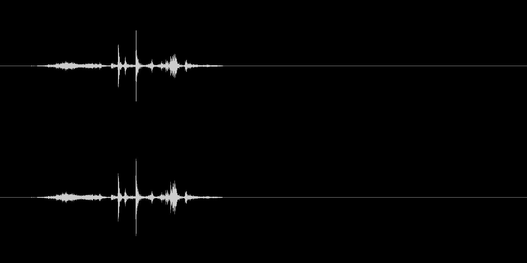 ペラッ (本などのページをめくる01)の未再生の波形