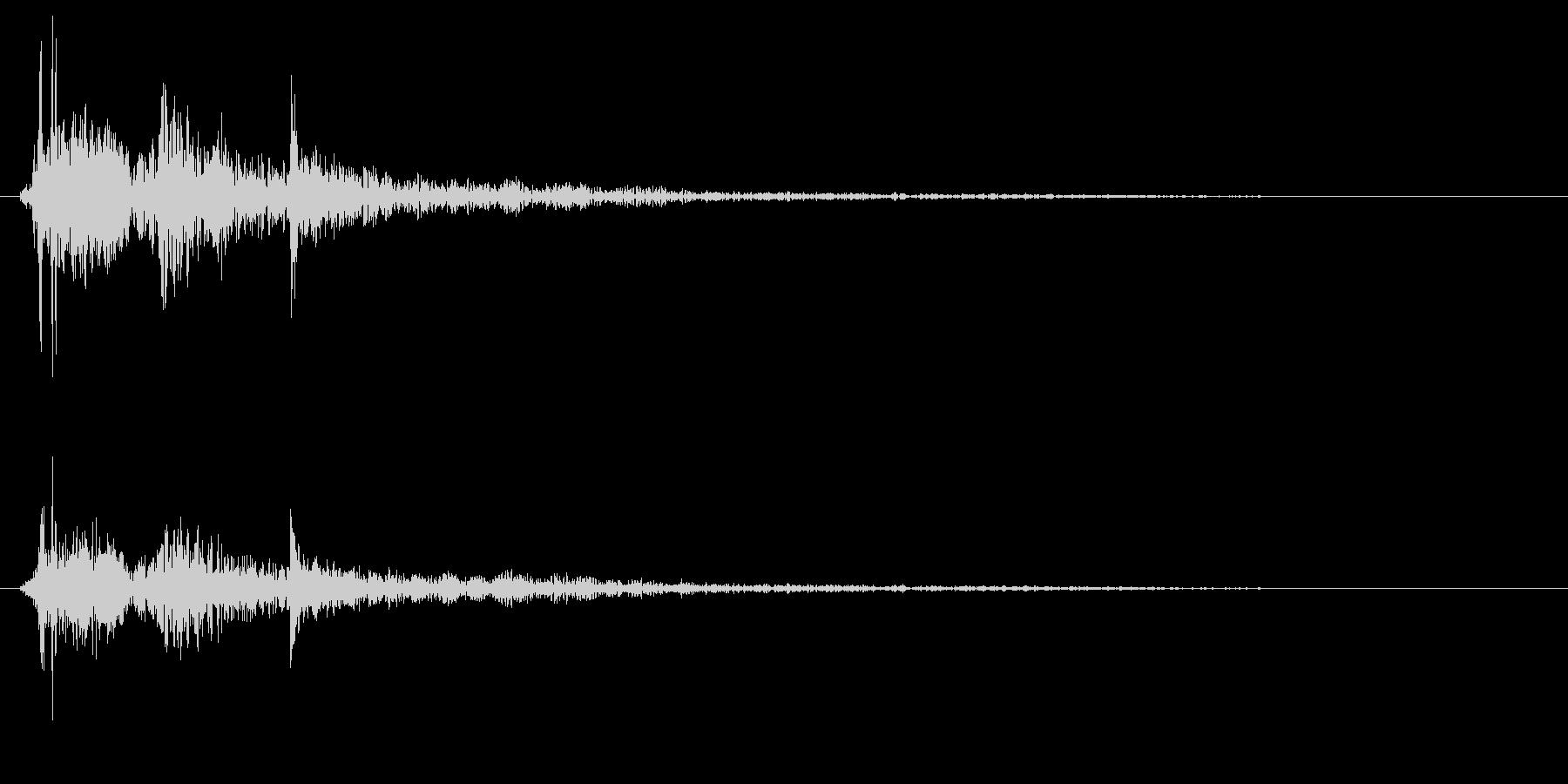 ポタンという水滴の落下音の未再生の波形