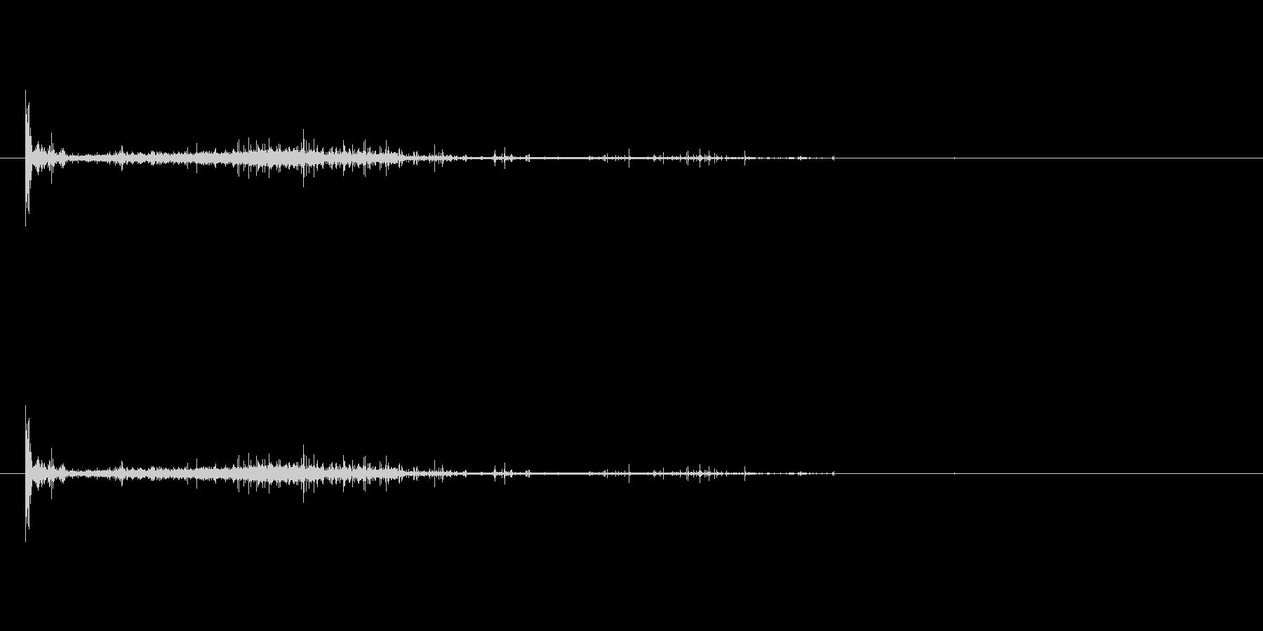 シュボッ、、、(マッチを擦る音)の未再生の波形