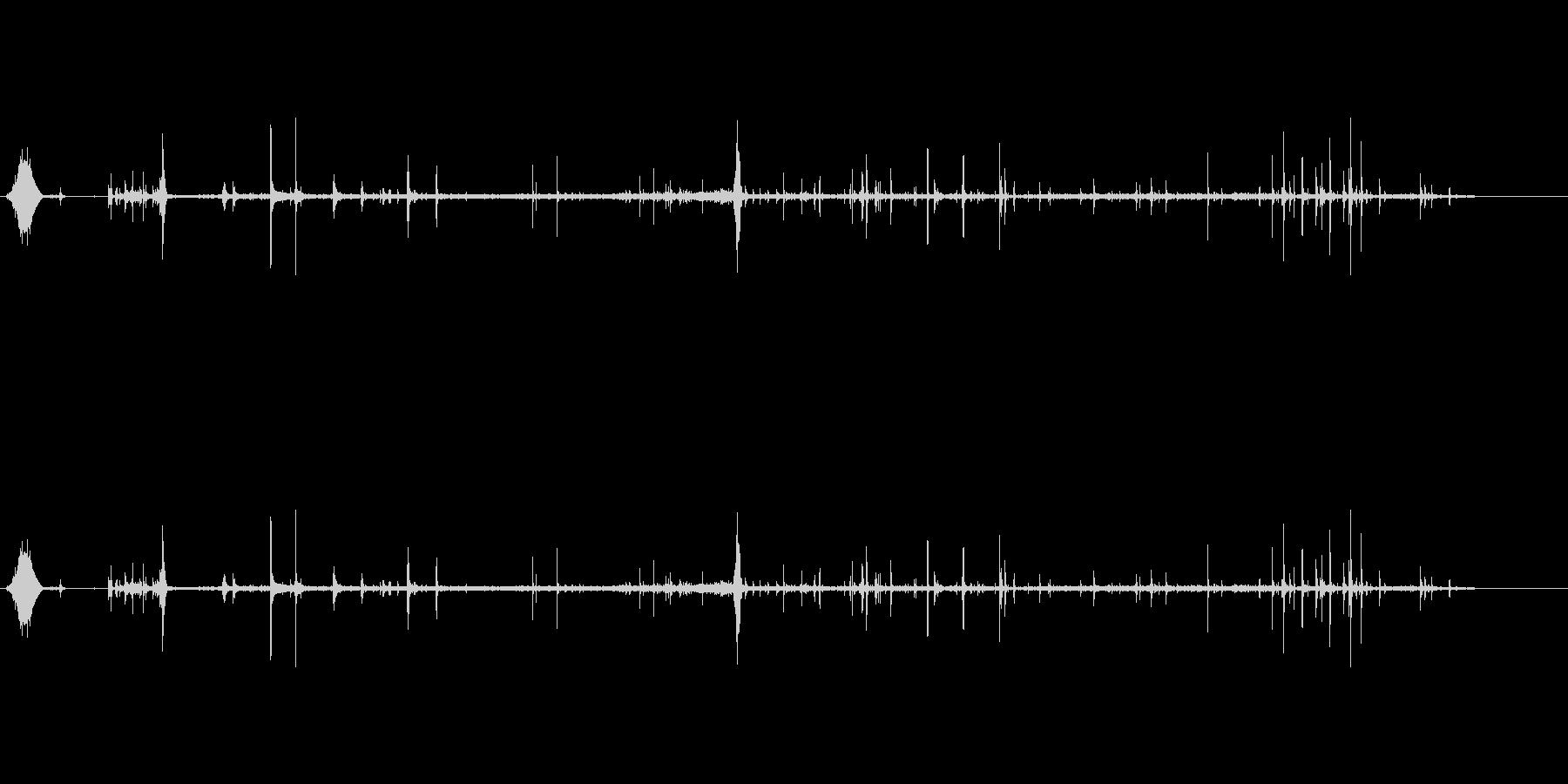 炭酸水を飲む音の未再生の波形