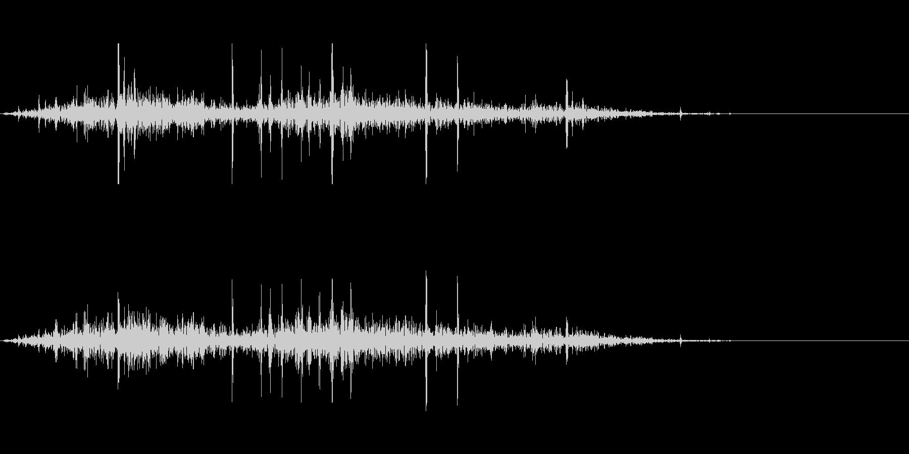遠方の戦闘音の未再生の波形