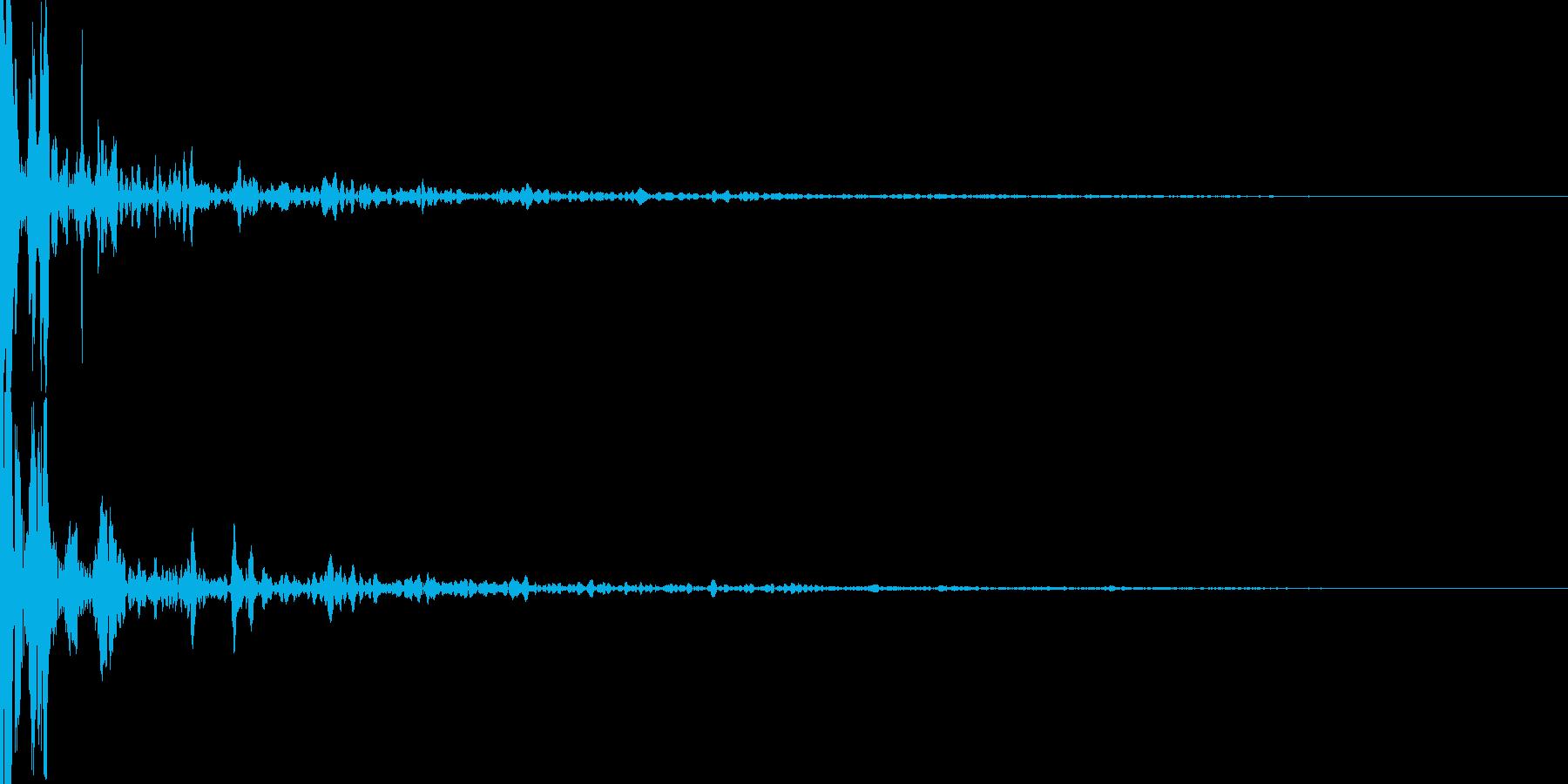 ビリヤードの球同士が衝突の再生済みの波形