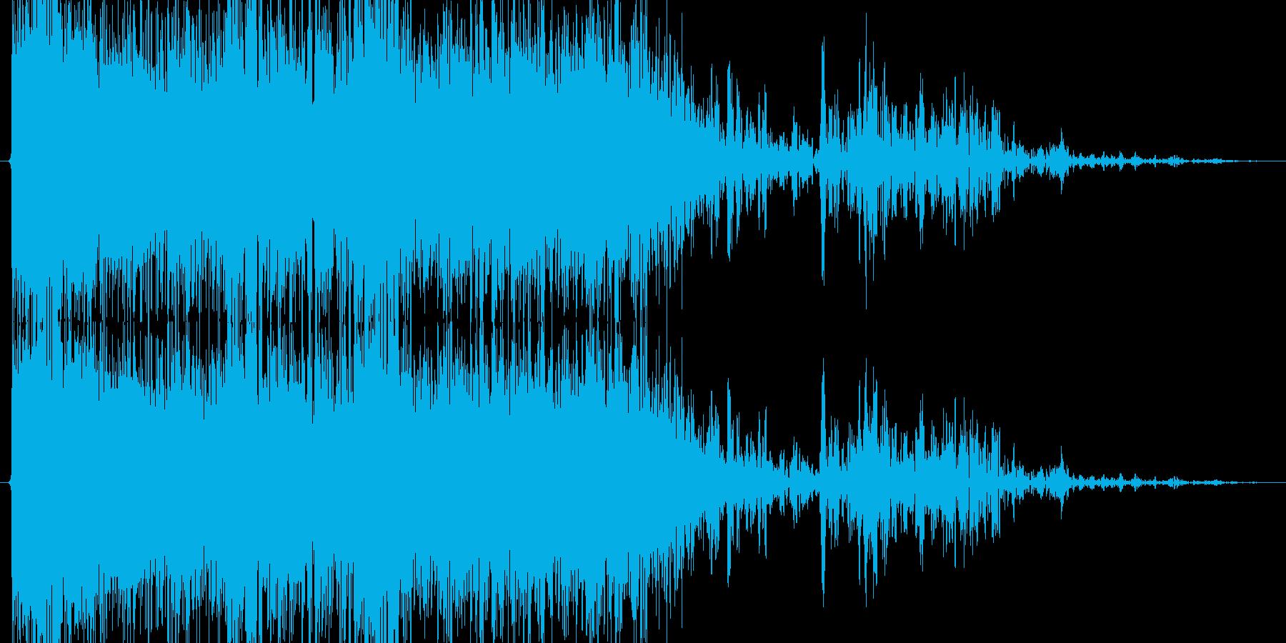 雷魔法(黒雲からの雷撃)の再生済みの波形