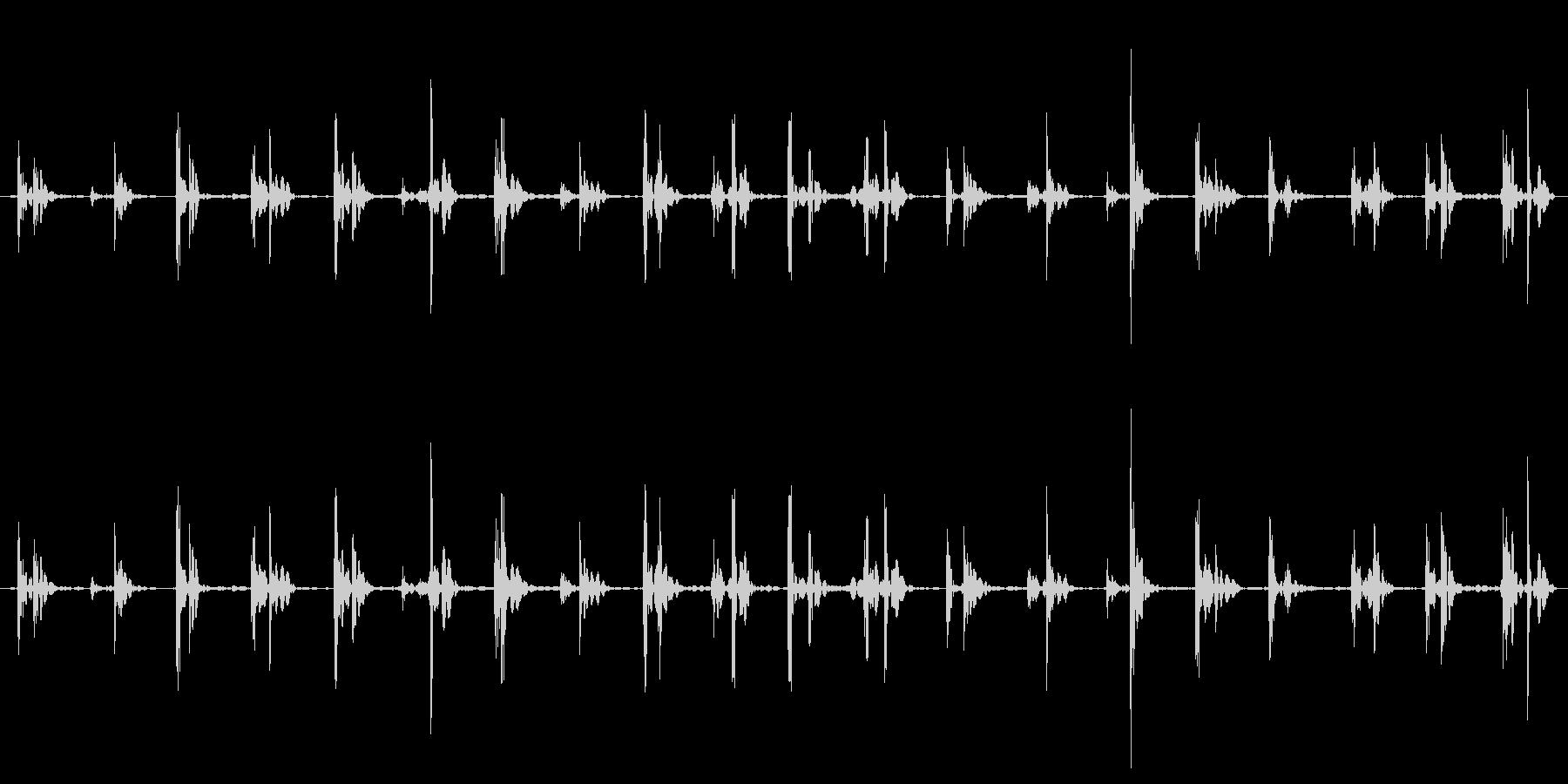 歩く足音・スニーカー・硬い床・ループ再生の未再生の波形
