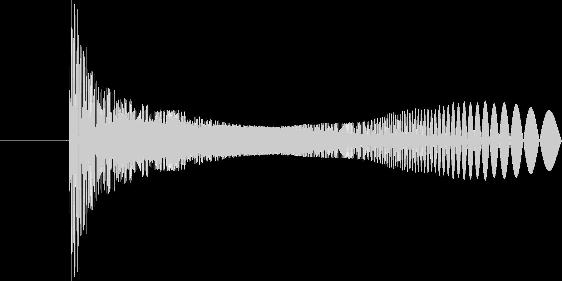 ピヨン(クリック音のような音)の未再生の波形