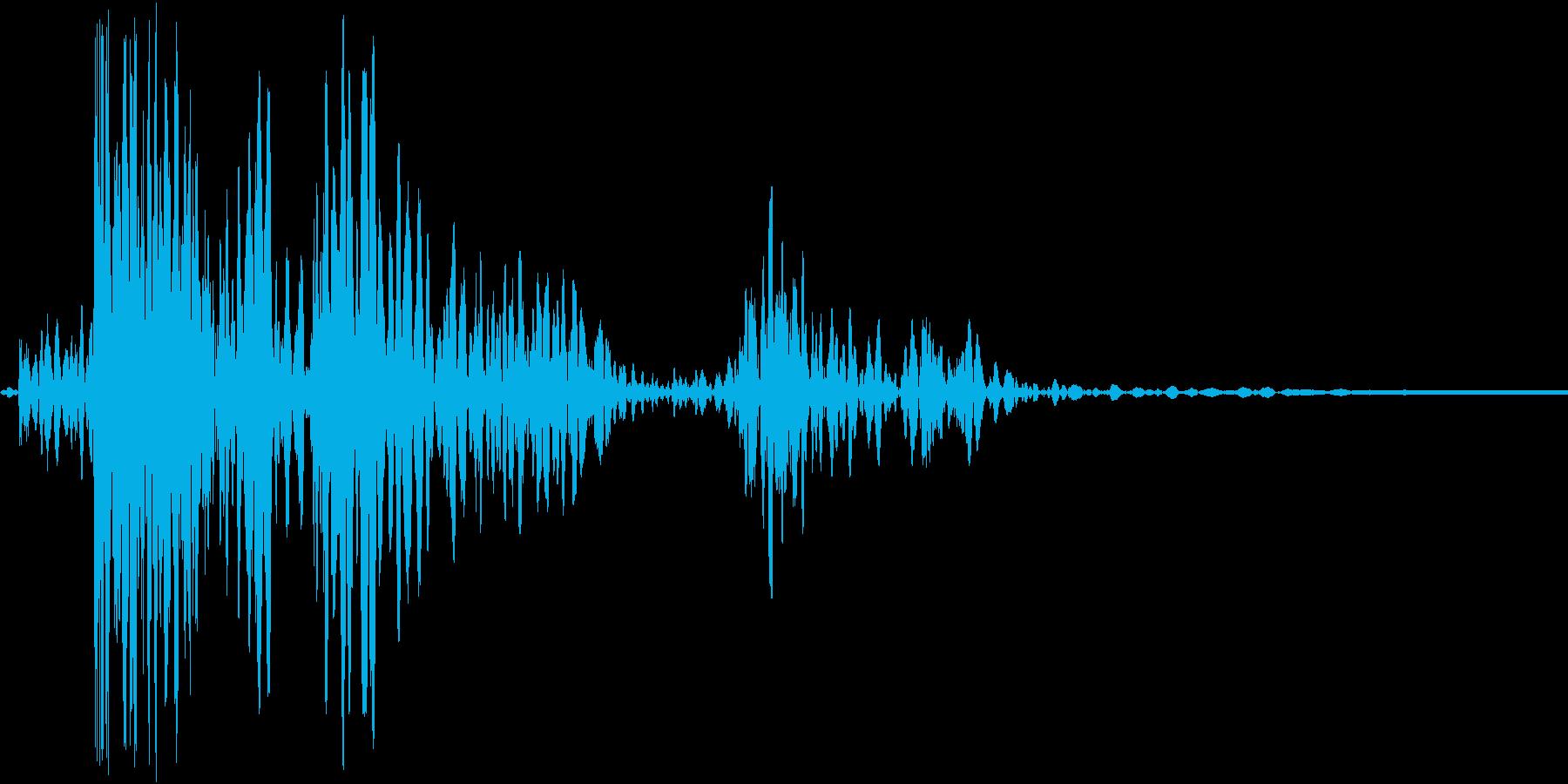 ドタンと何かが落ちる音ですの再生済みの波形