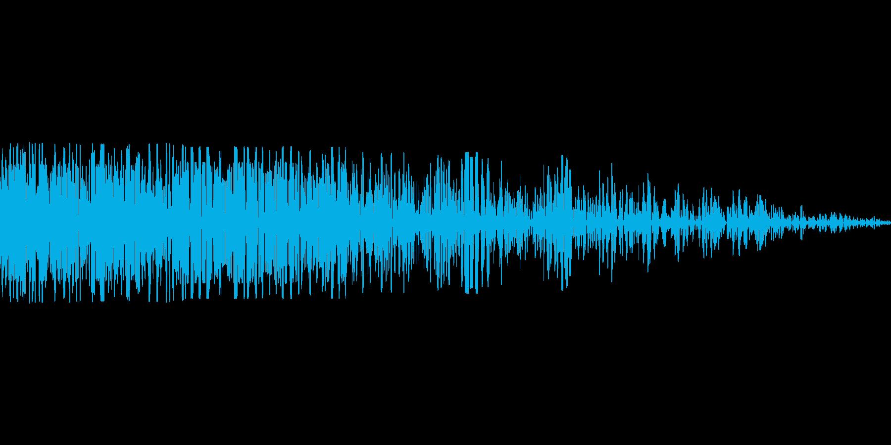 レトロな爆発音の再生済みの波形