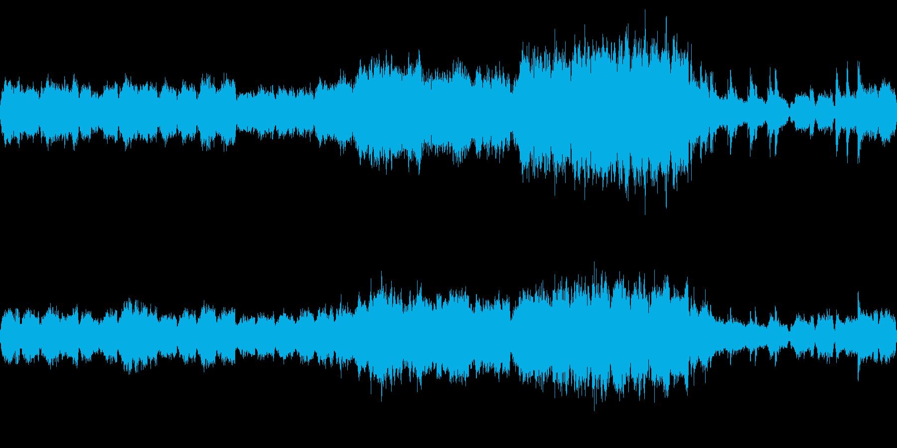 ストリングスの静かな曲の再生済みの波形