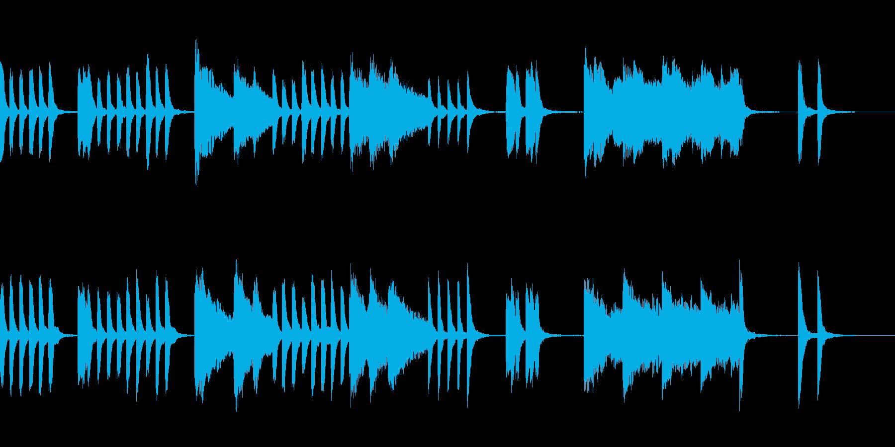 ピアノ;子どものコミカルな動きのイメージの再生済みの波形