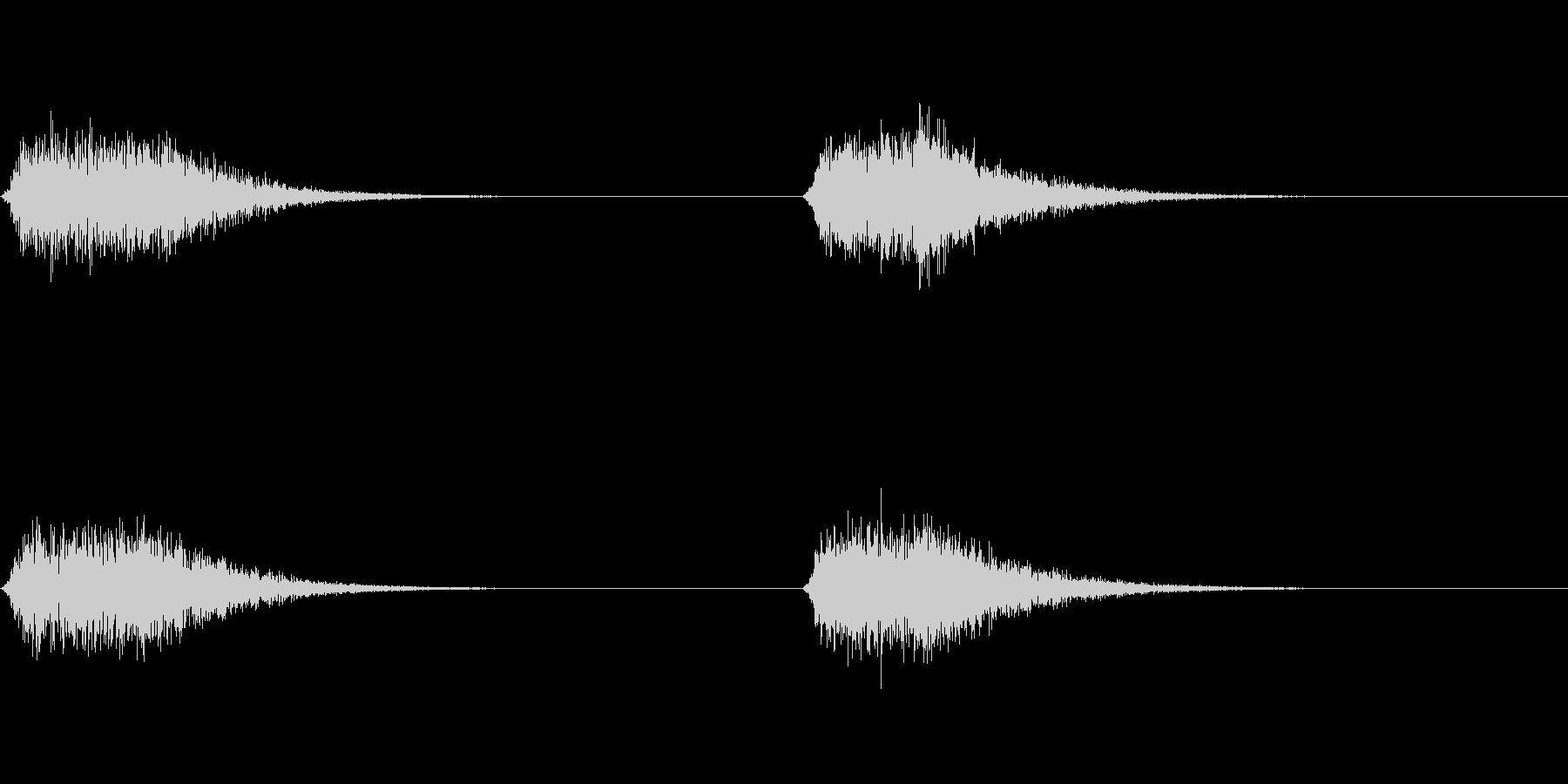 シュイーン:コックピットのドアの開閉音の未再生の波形
