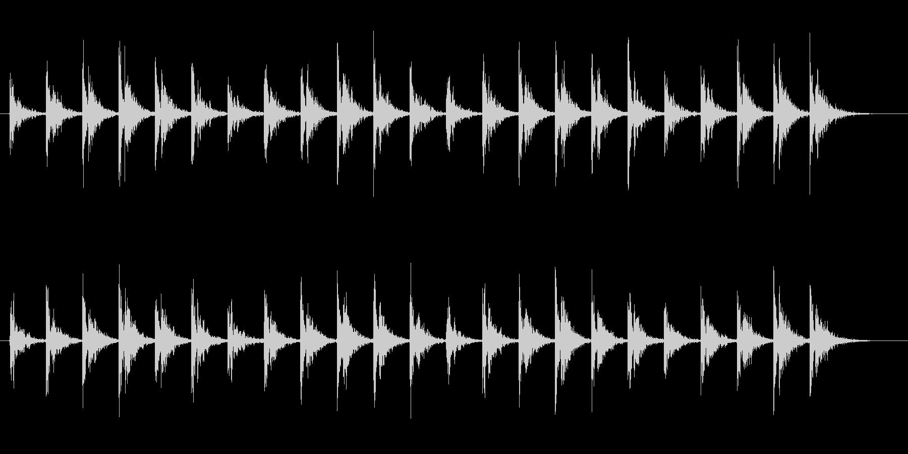 洞窟の中で氷が弾けるような音の未再生の波形