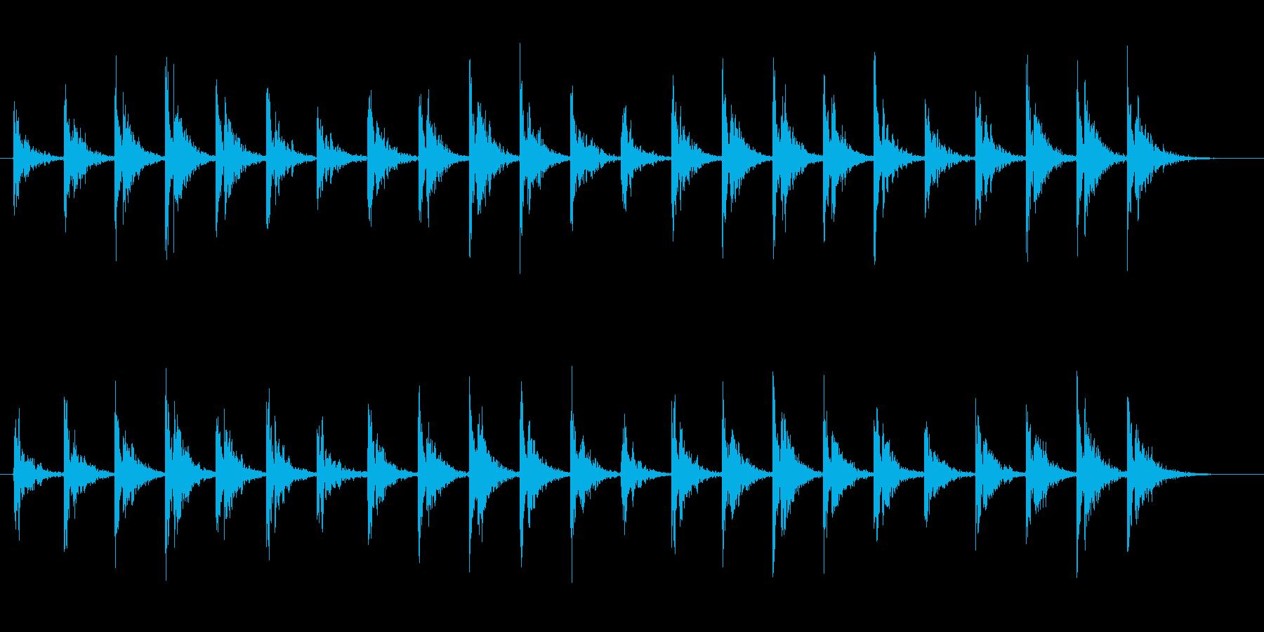 洞窟の中で氷が弾けるような音の再生済みの波形