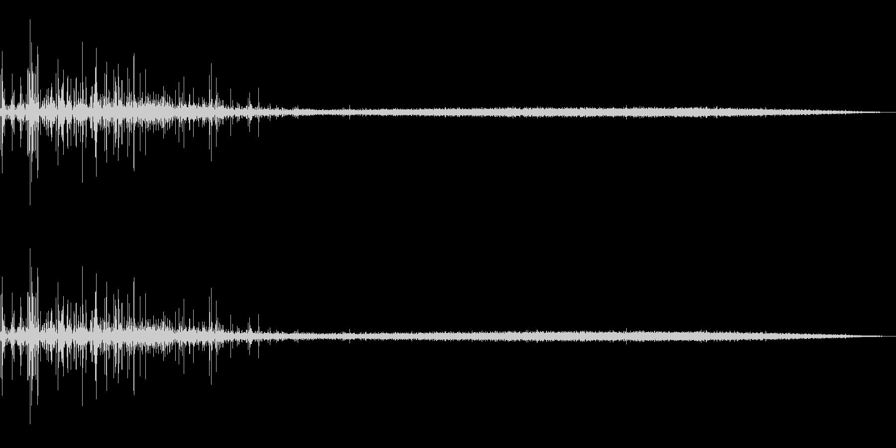 炭酸飲料を注ぐ音の未再生の波形