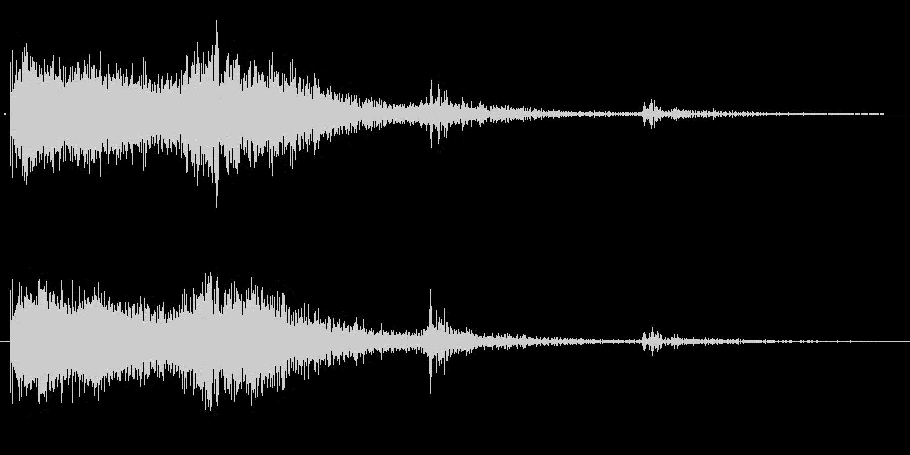 シューン(機械的な発射音)の未再生の波形