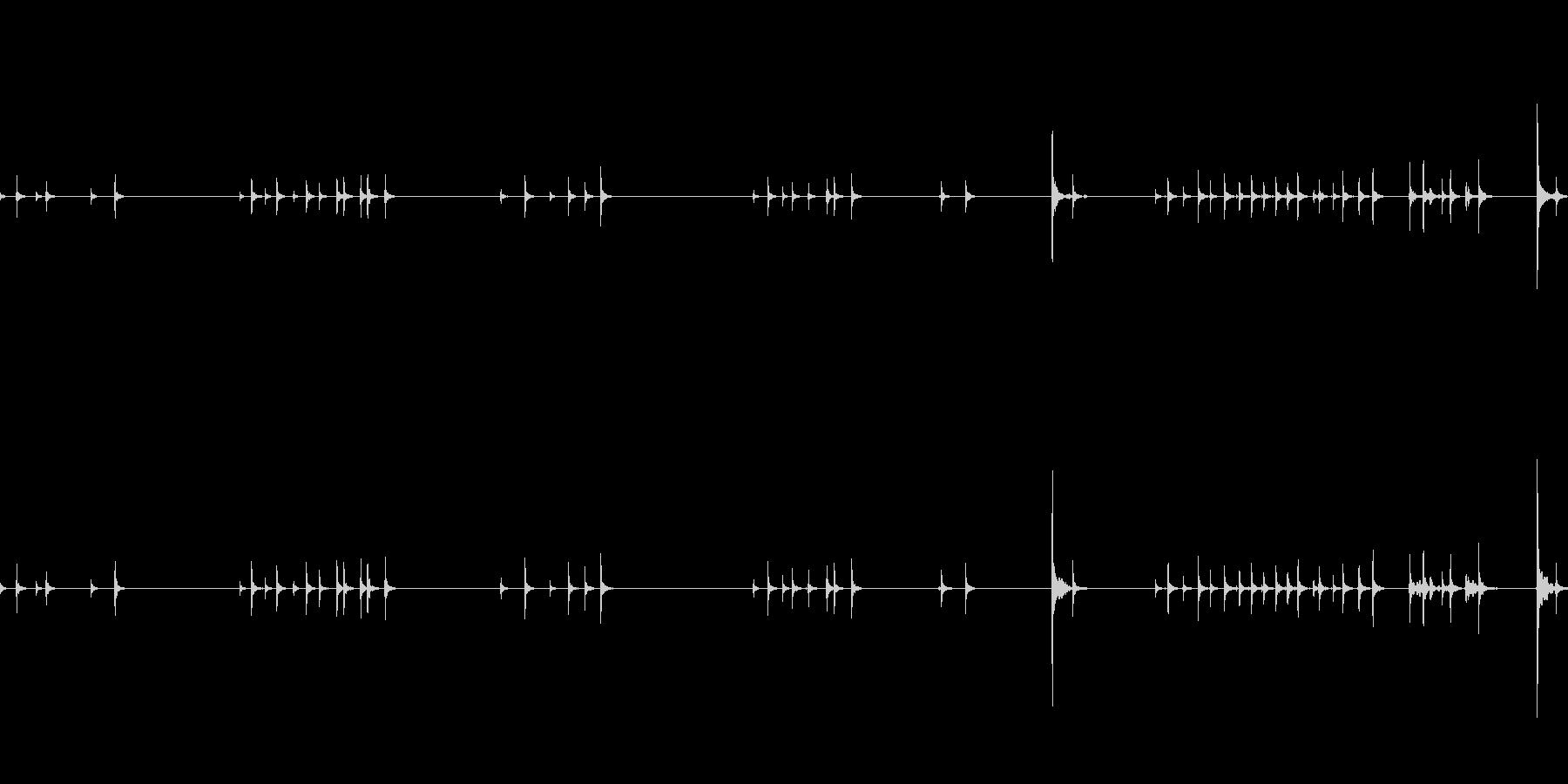 イライラしてクリックを連打する音の未再生の波形