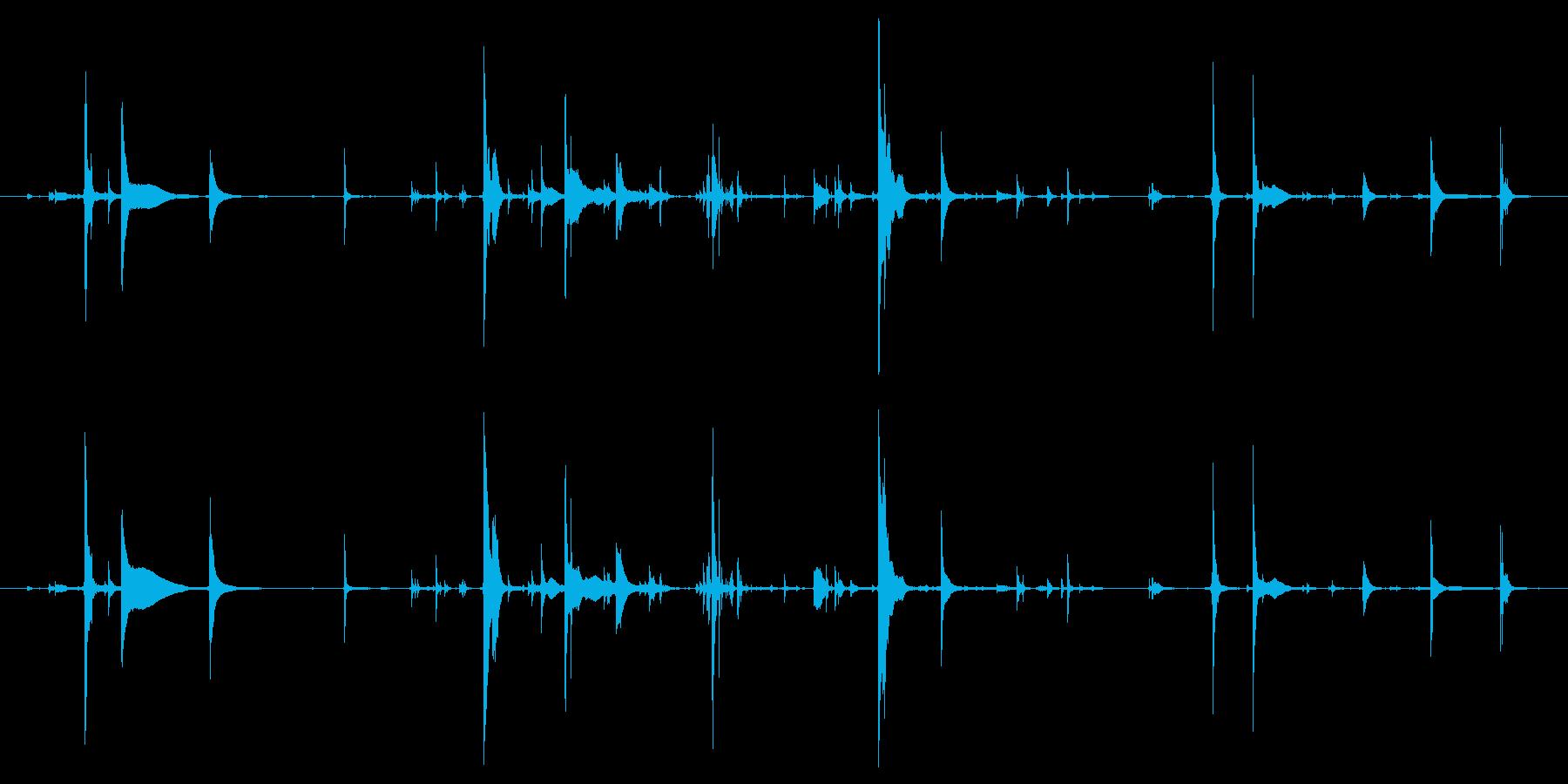 金属がガチャガチャいってる音の再生済みの波形