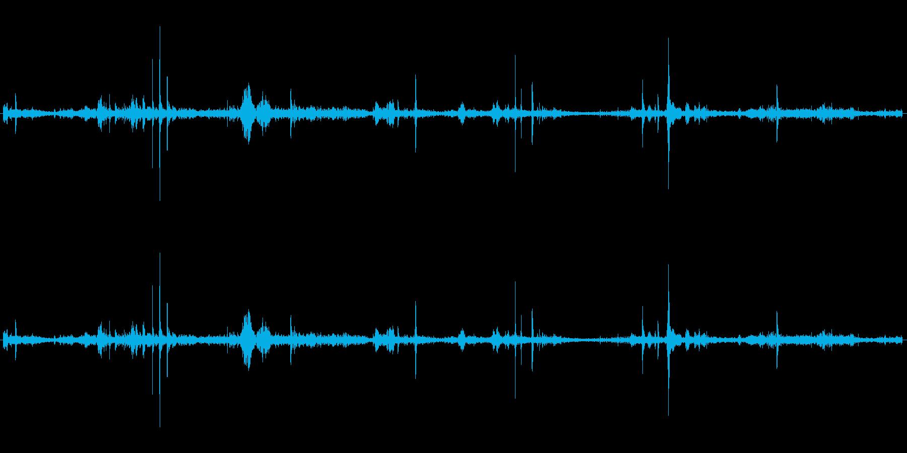 【生音】ザクザク・・という雪道を歩く音の再生済みの波形