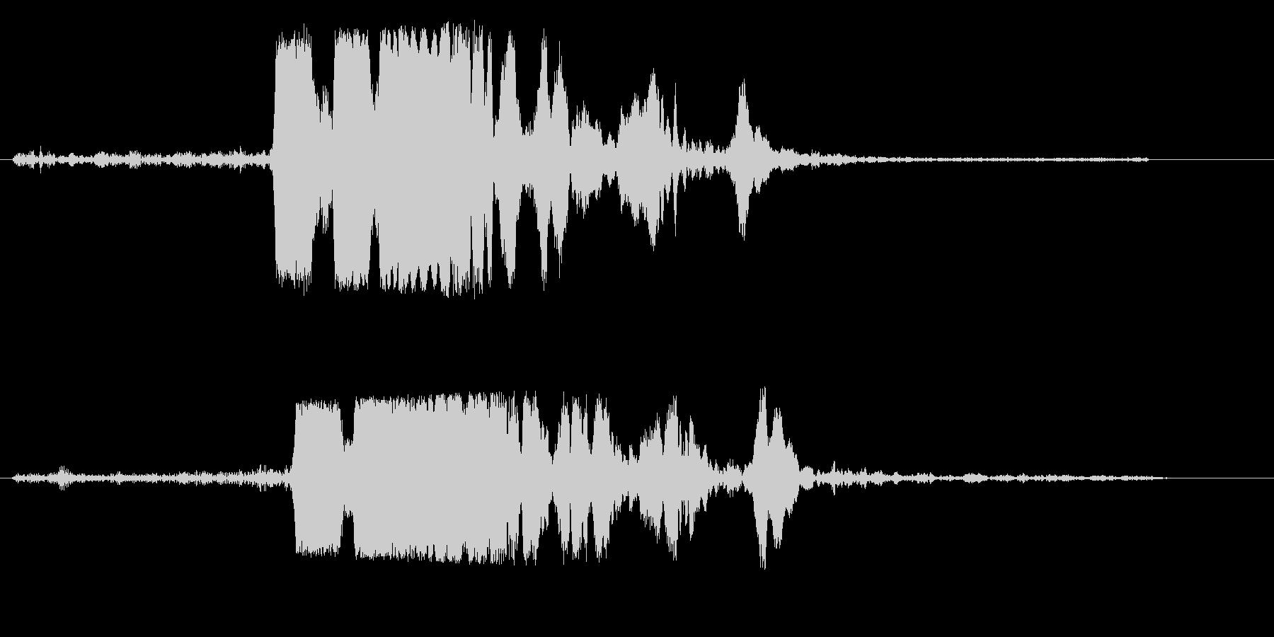 キキーッ(自動車の急ブレーキ音)の未再生の波形