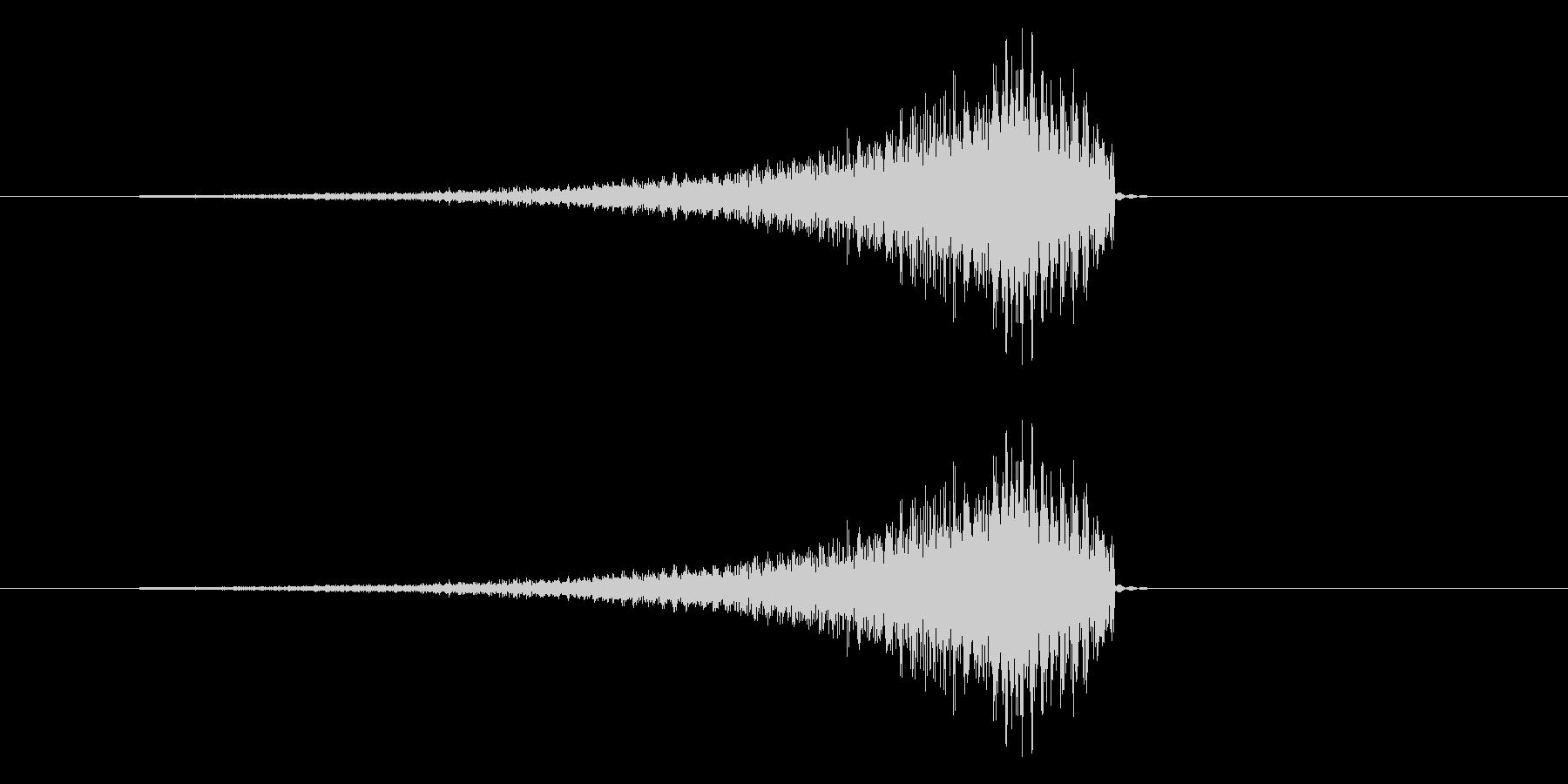 ギュイーンという音が通り抜ける効果音の未再生の波形