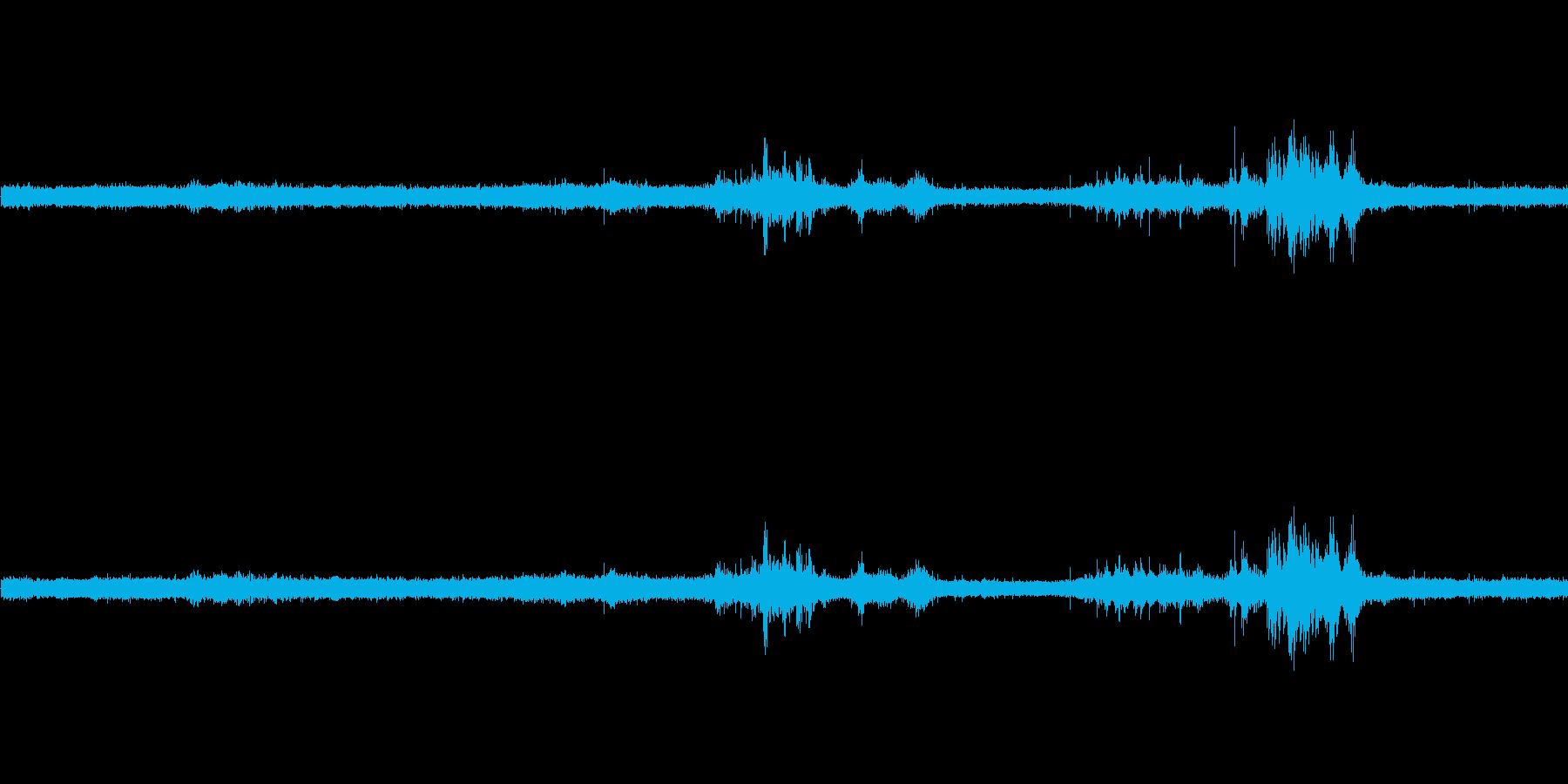 【生音】雷雨9 - 雨と雷と通行音 「…の再生済みの波形