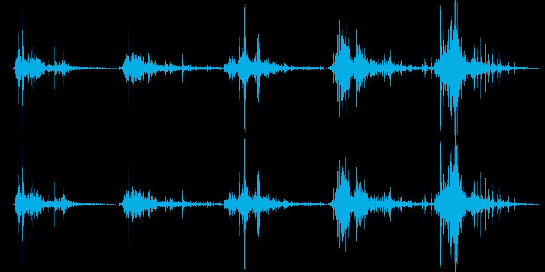 足音(砂利の上を走る)の再生済みの波形