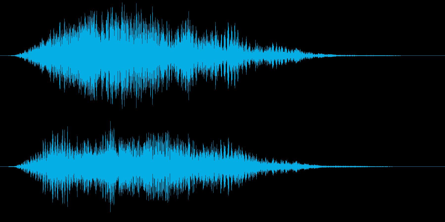 人物背後で何かが音もなく過ぎる時の音ですの再生済みの波形