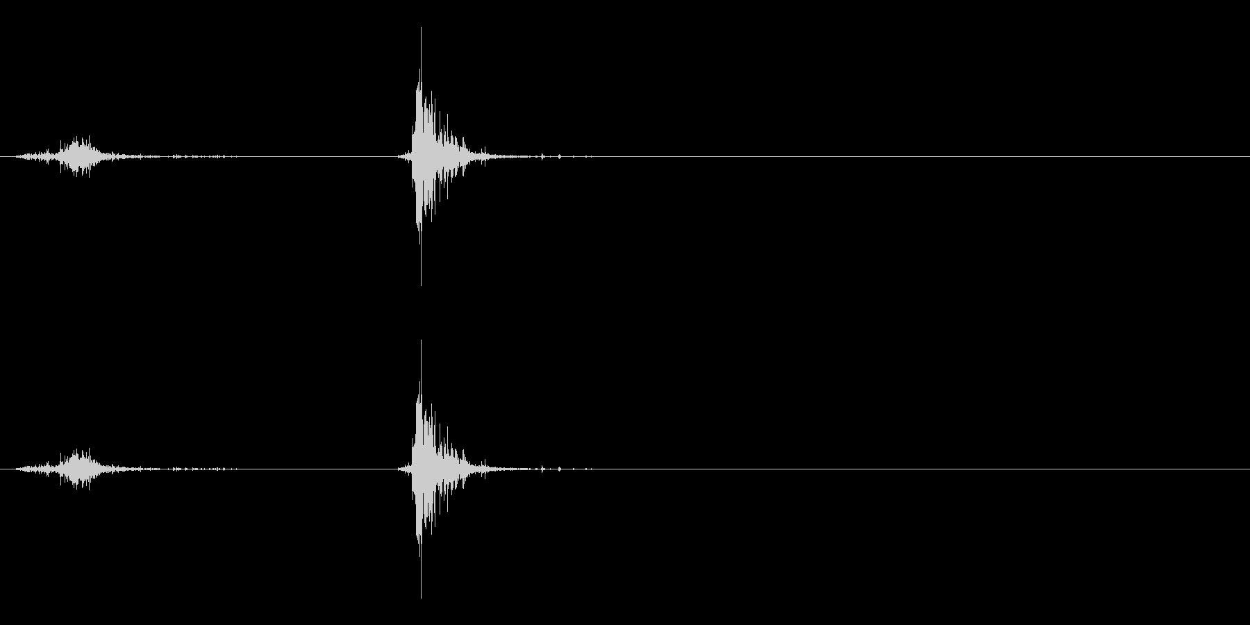 「スッチャッ!」木製シェイカーの振り音の未再生の波形
