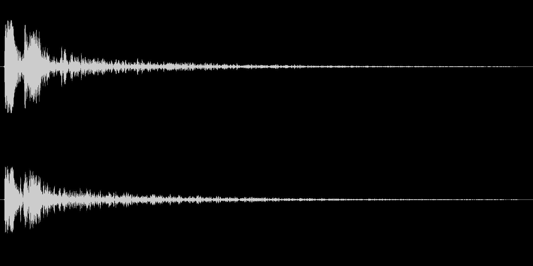 ピチョーン(機械的な水滴の音)の未再生の波形