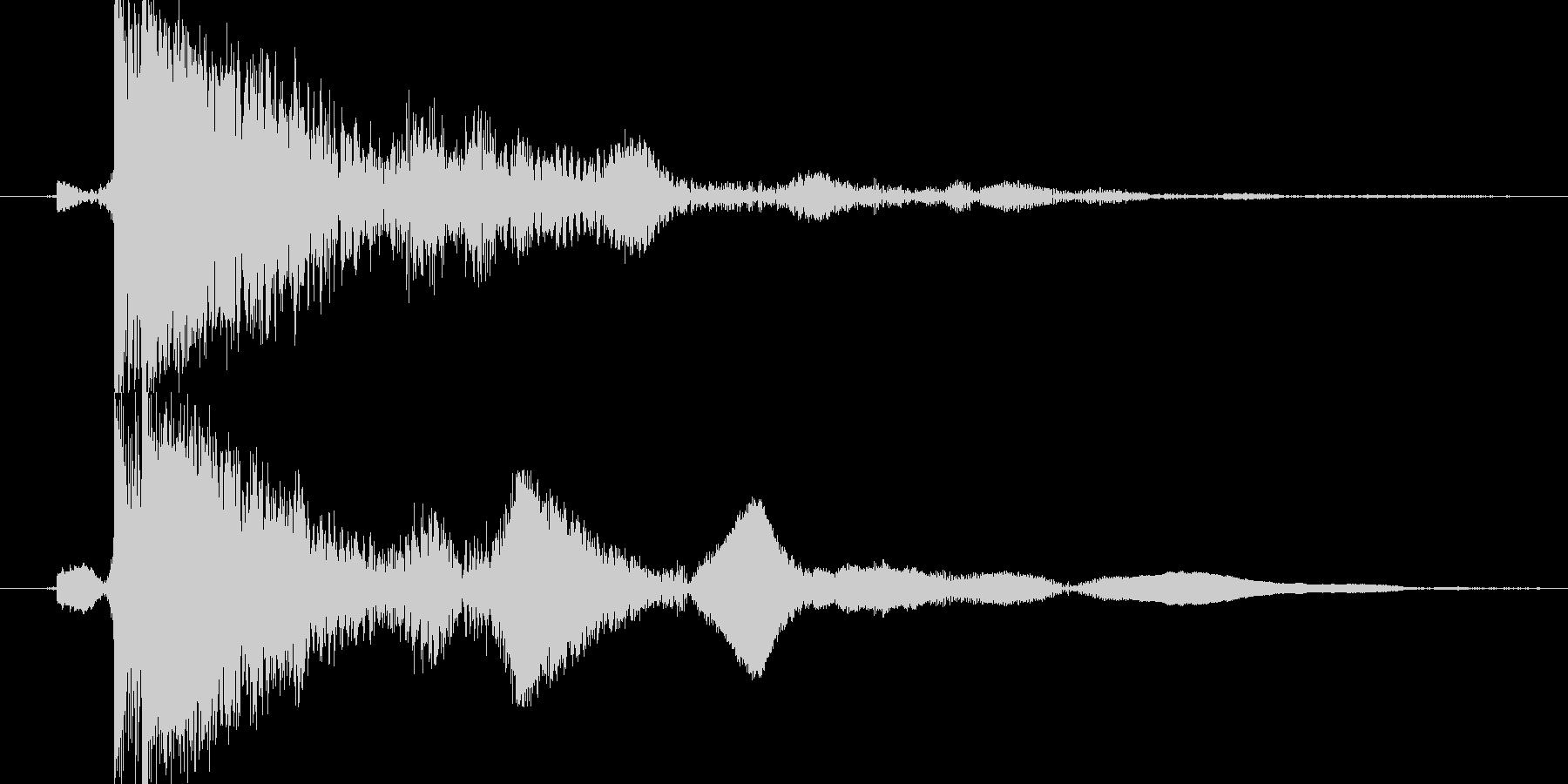 茂金属の柱をたたく(カン)の未再生の波形