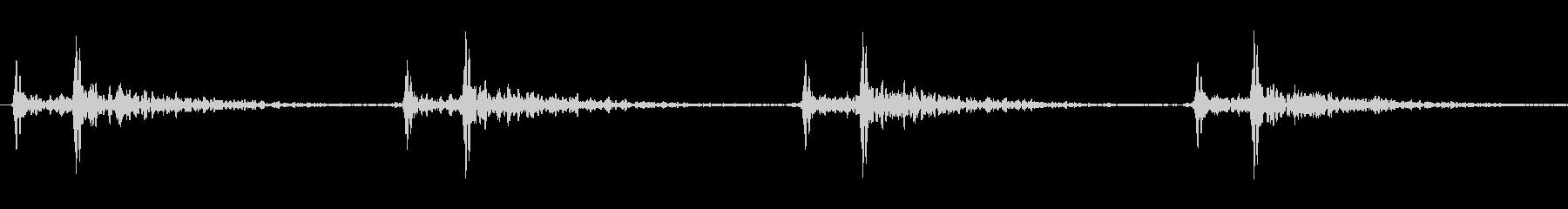 ゆっくりとした心臓の音の未再生の波形