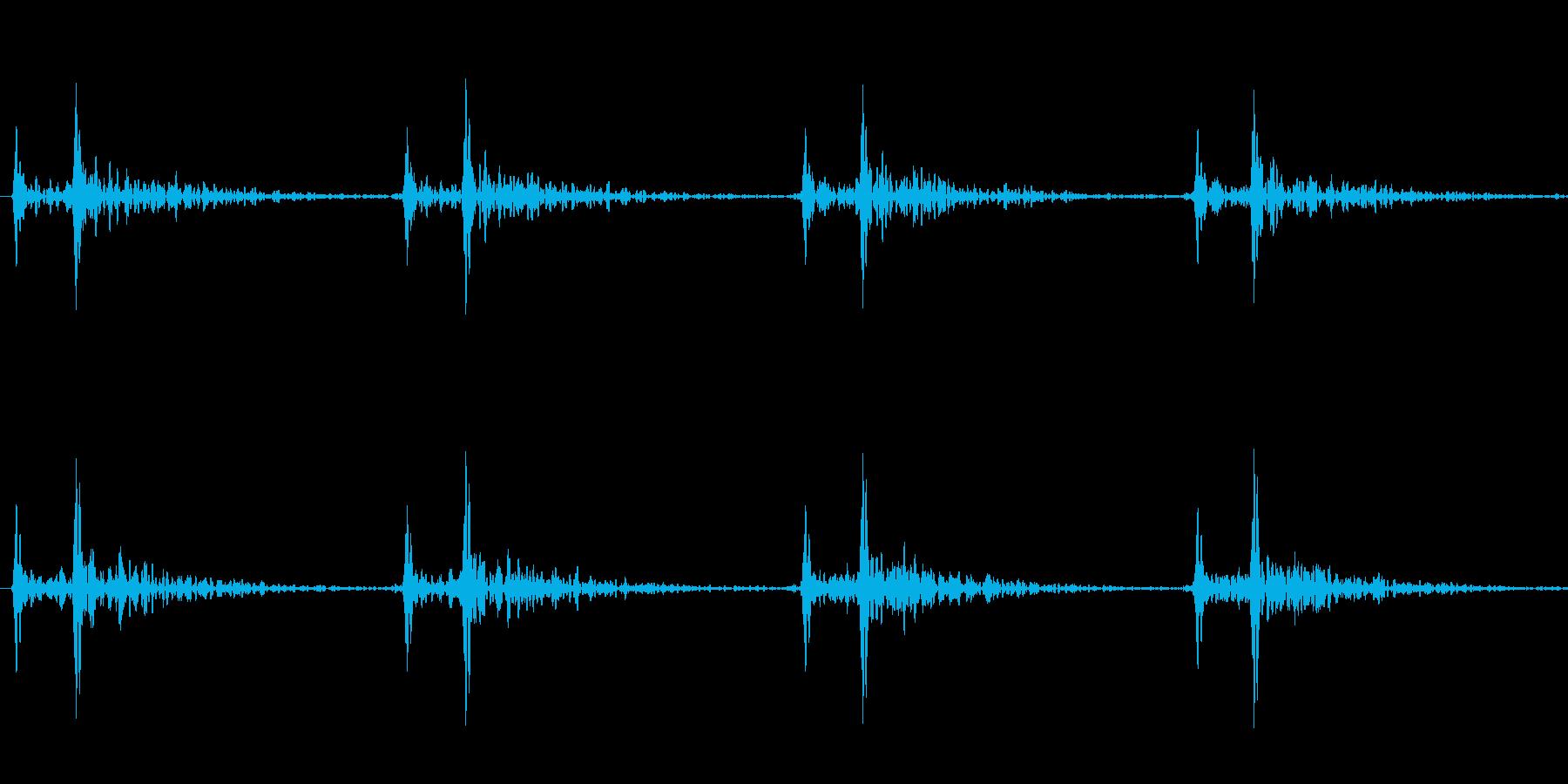 ゆっくりとした心臓の音の再生済みの波形