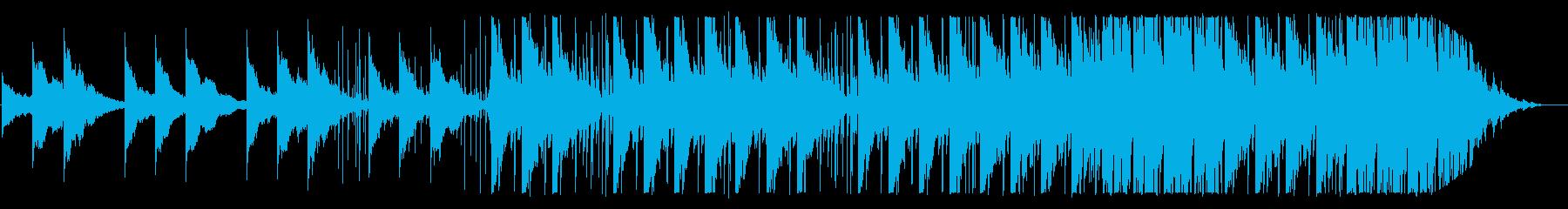 神秘的なピアノのテクノ/アンビエント曲の再生済みの波形