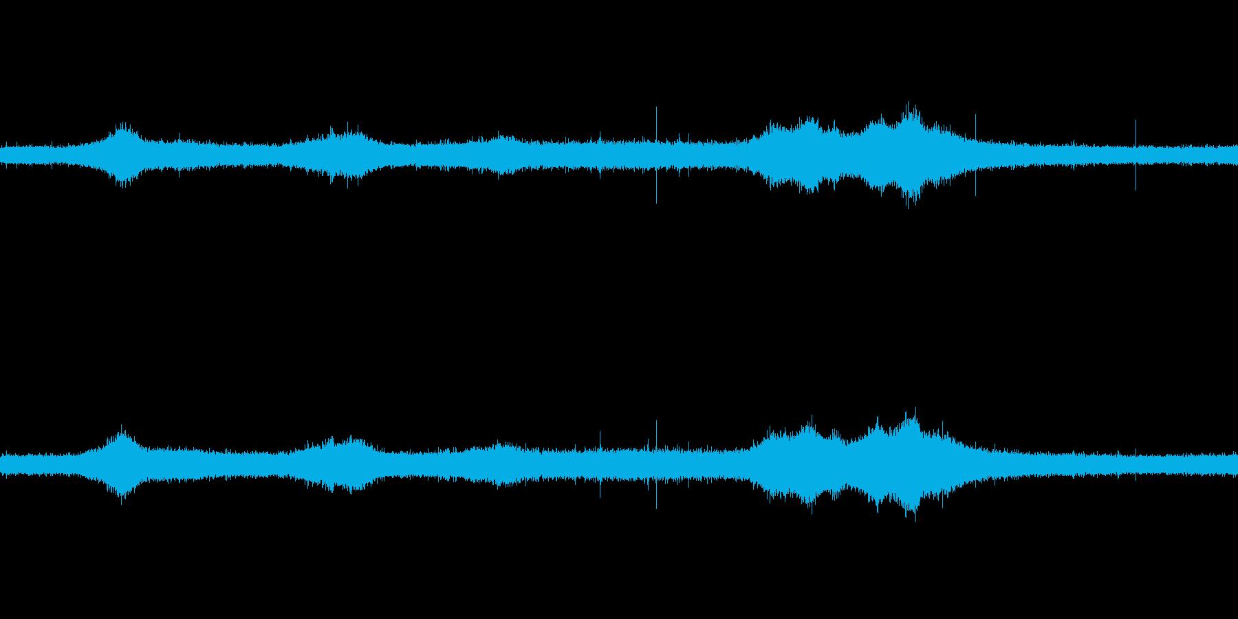【生音】雨の日の通行音 - 3 雨 車…の再生済みの波形