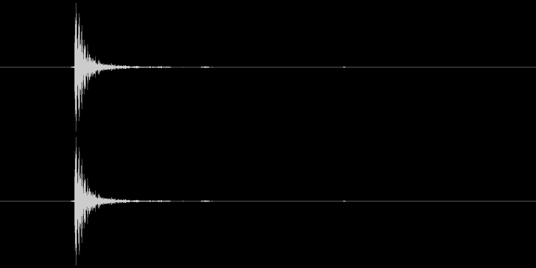 トンッ (軽い打撃音)の未再生の波形