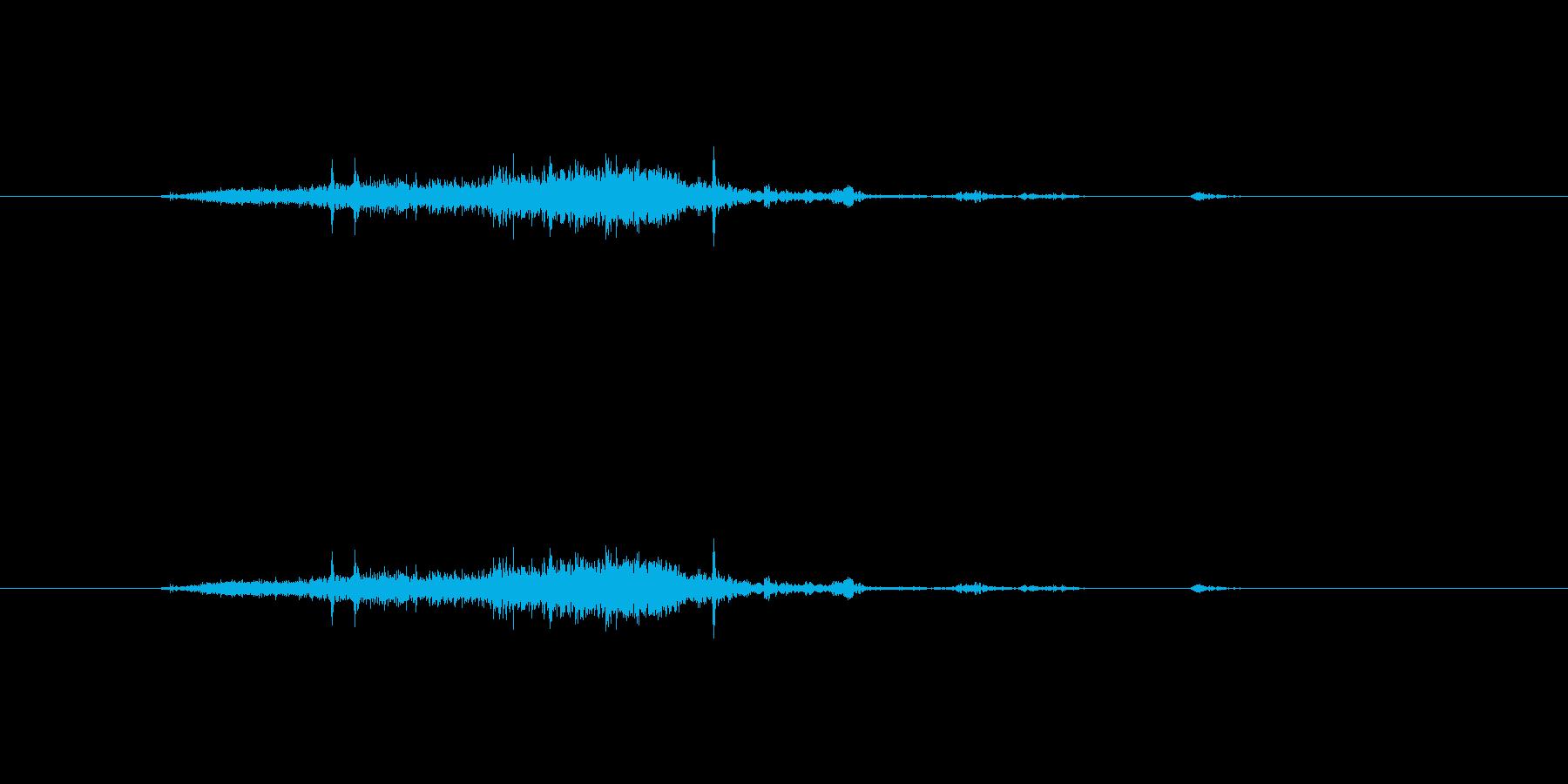 【雑誌01-1(めくる)】の再生済みの波形