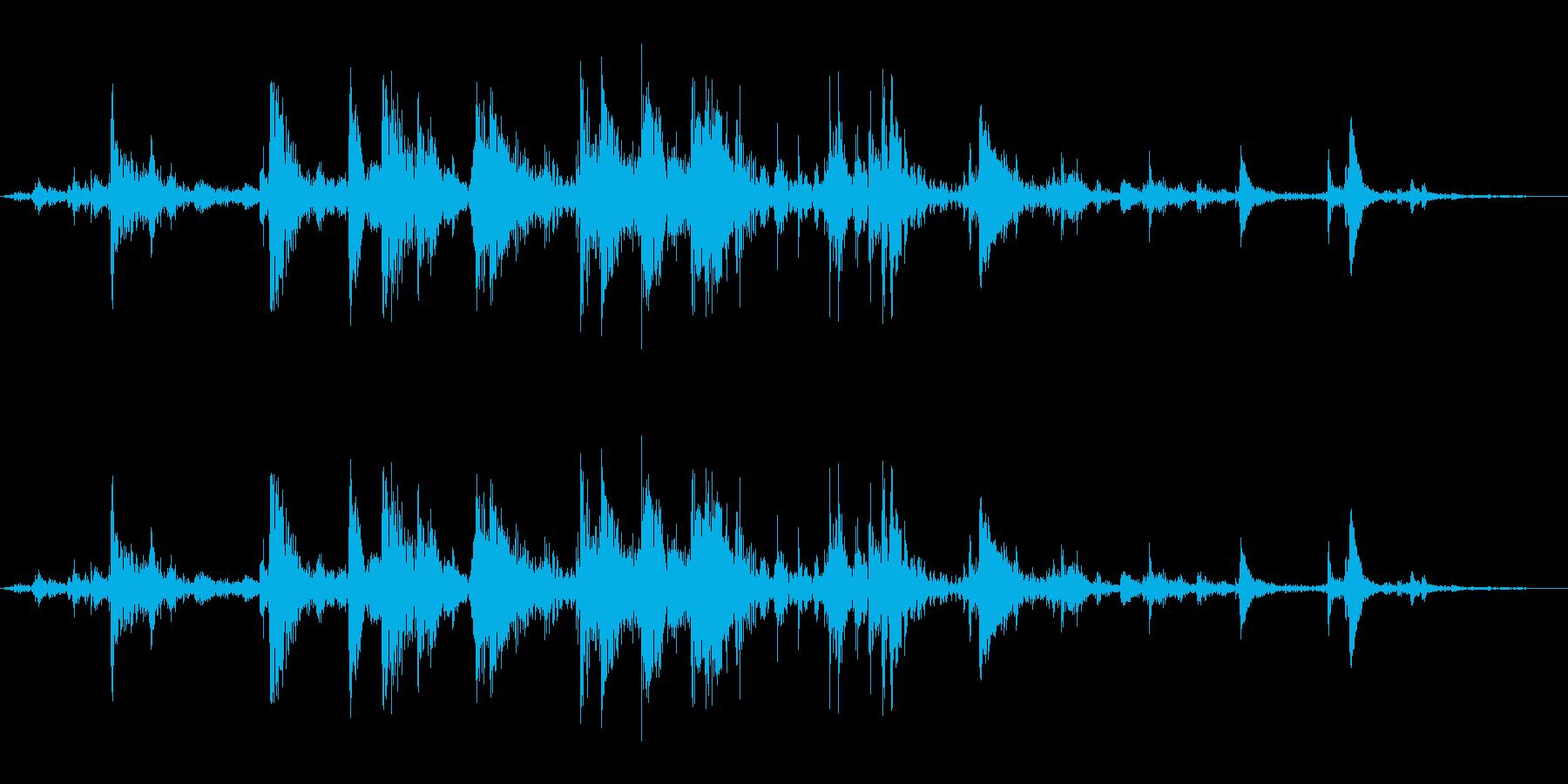 氷を入れる音(カランカラン)の再生済みの波形